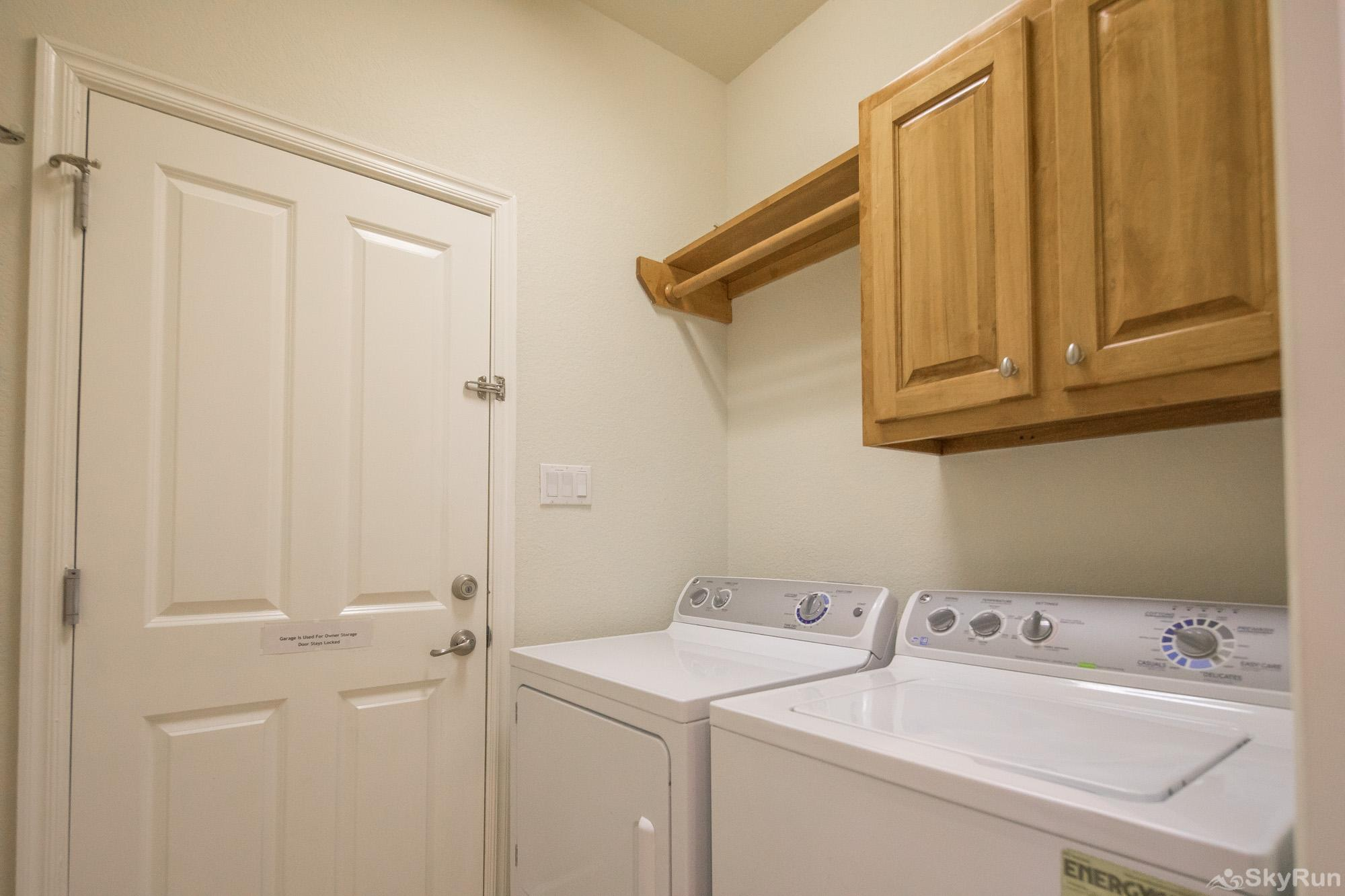 LAKESIDE HAVEN Washer and Dryer Available for Guest Use