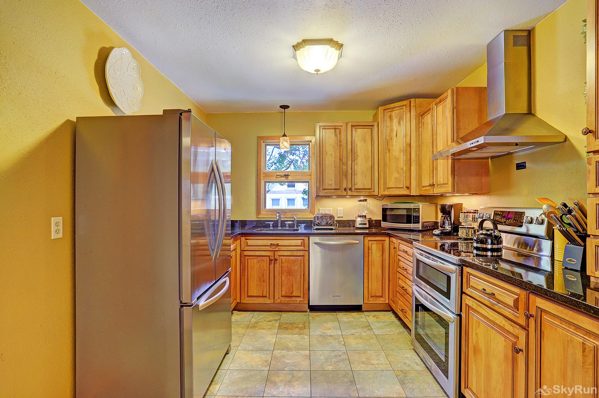 Imperial View Cottage Fully equipped kitchen with stainless appliances