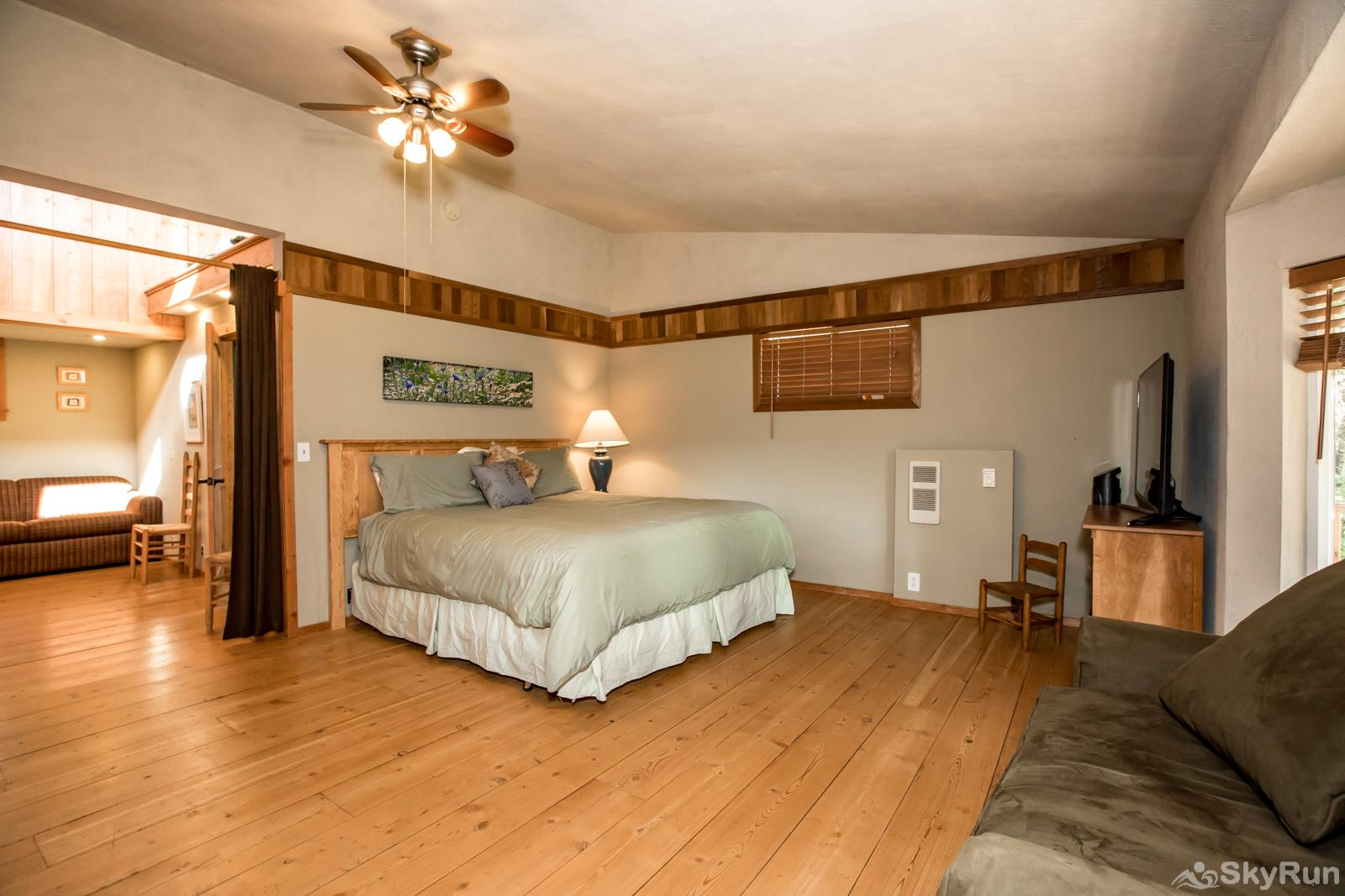 Stillwater Mountain Lodge Master bedroom (king bed) in the Great House (with pull out couch)