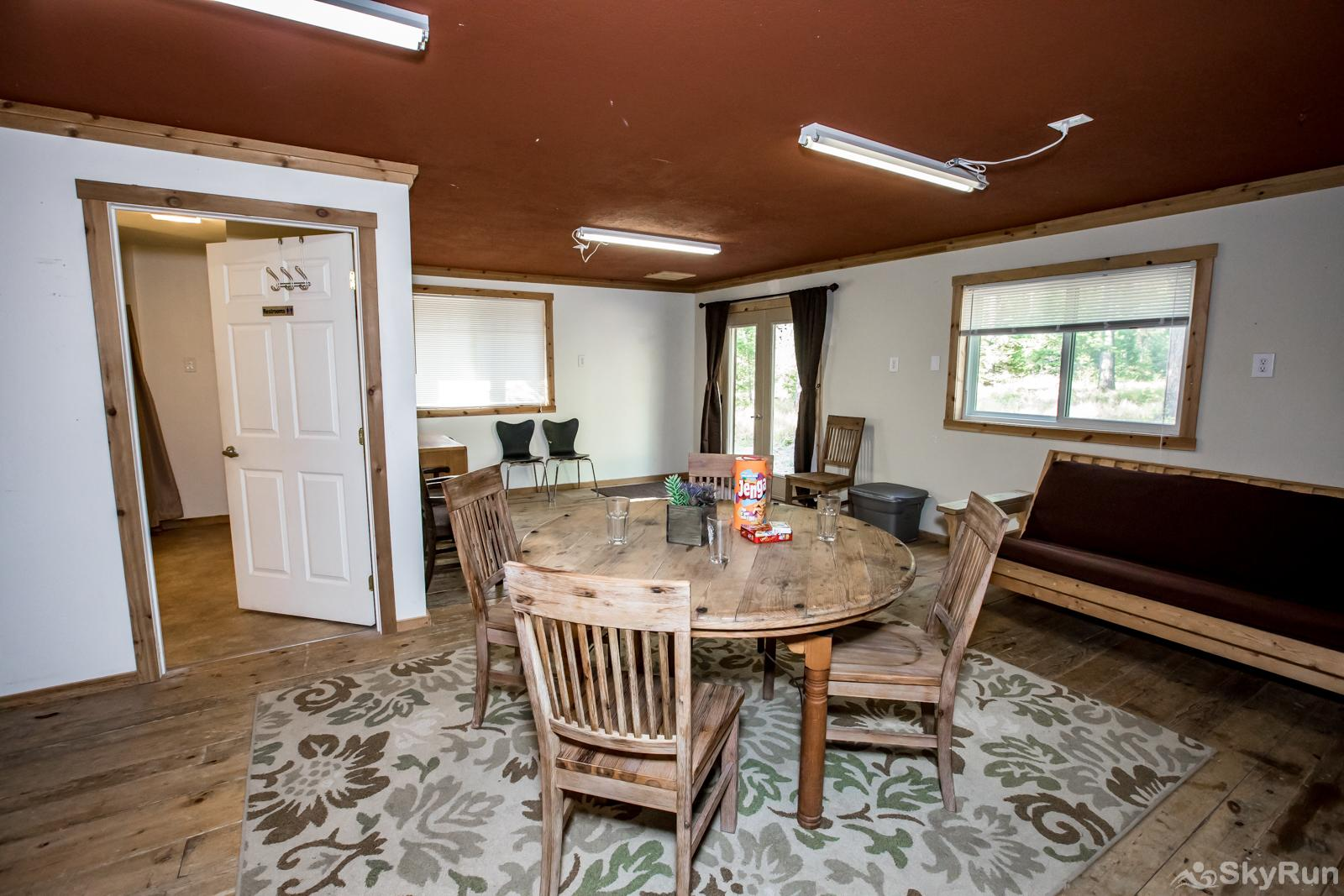 Stillwater Mountain Lodge Bonus room with futon