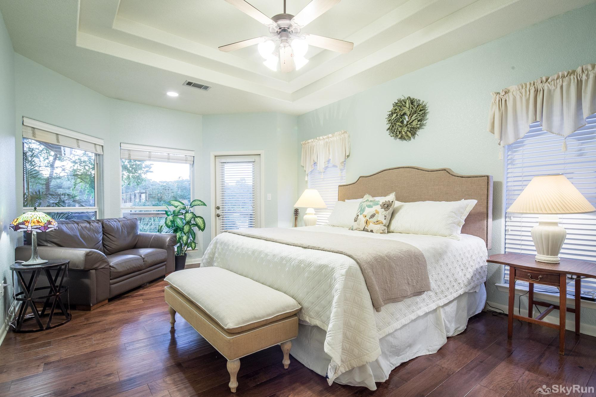 SERENITY SHORES Lovely Master Bedroom