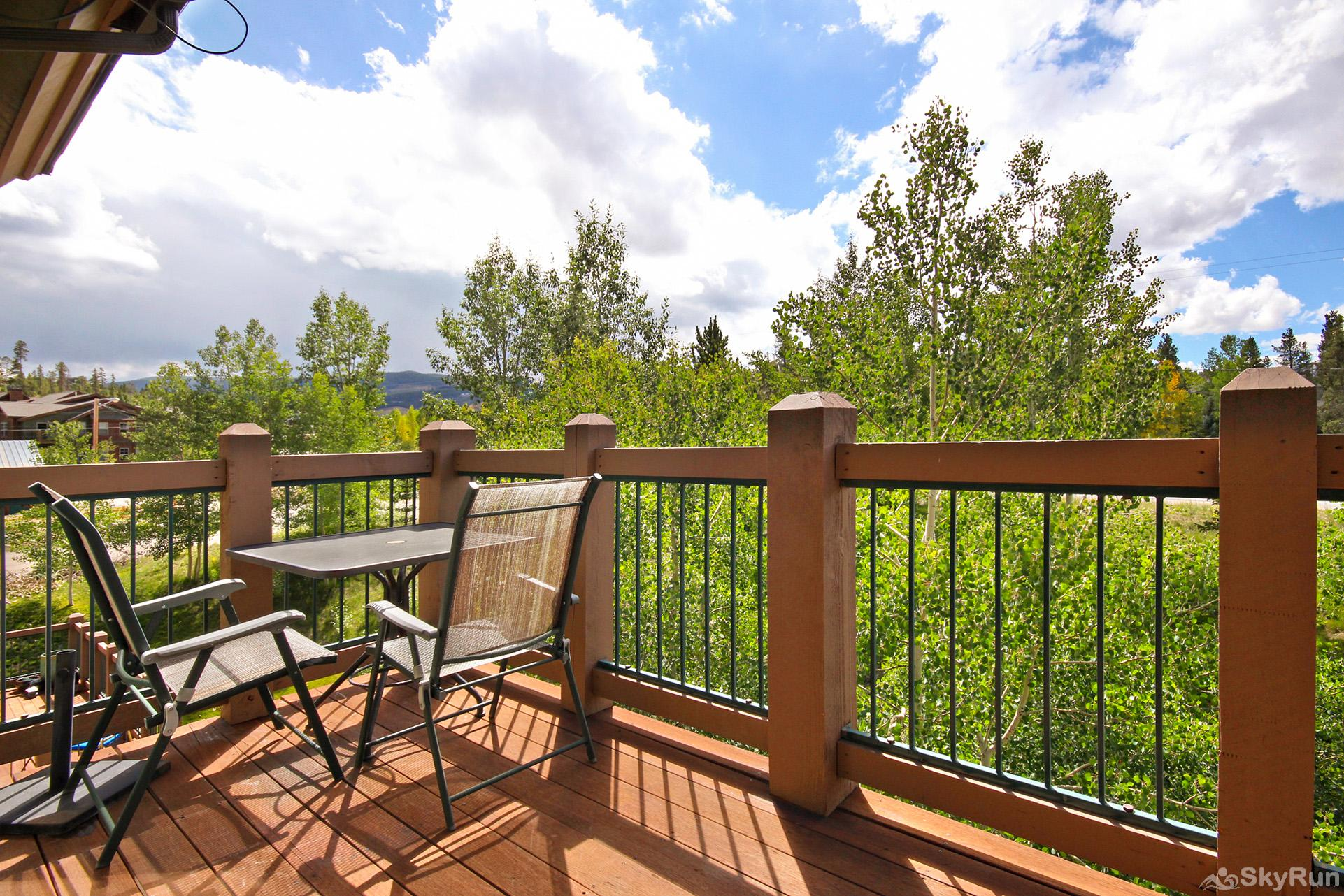 Highland Greens Lodge 305 Enjoy fresh Rocky Mountain air on your private deck