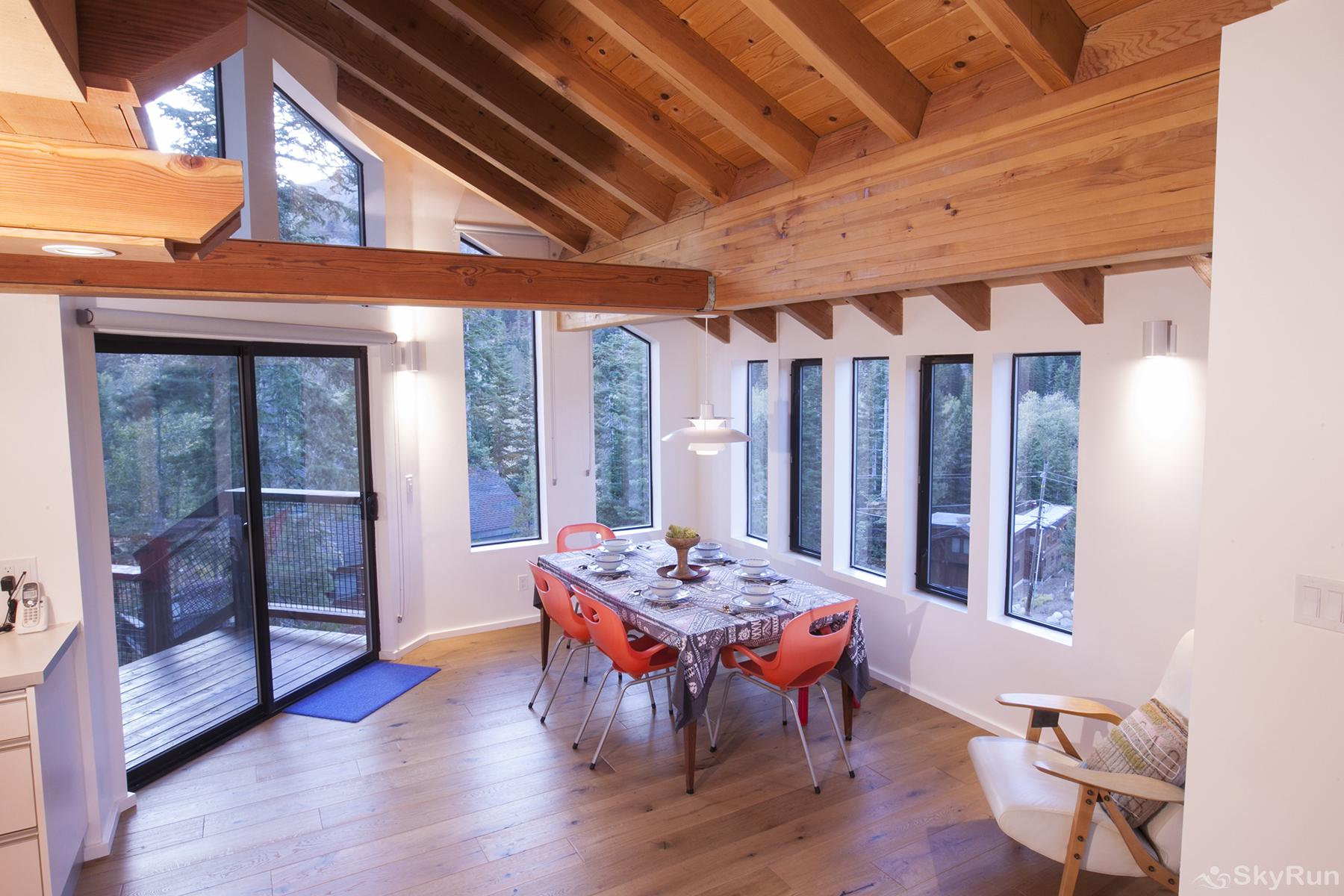 Trapper Mc Nutt  Modern Mountain Home Dining Area
