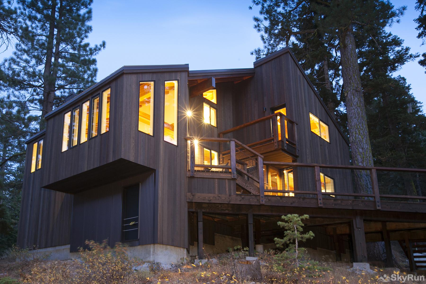 Trapper Mc Nutt  Modern Mountain Home Exterior Back View