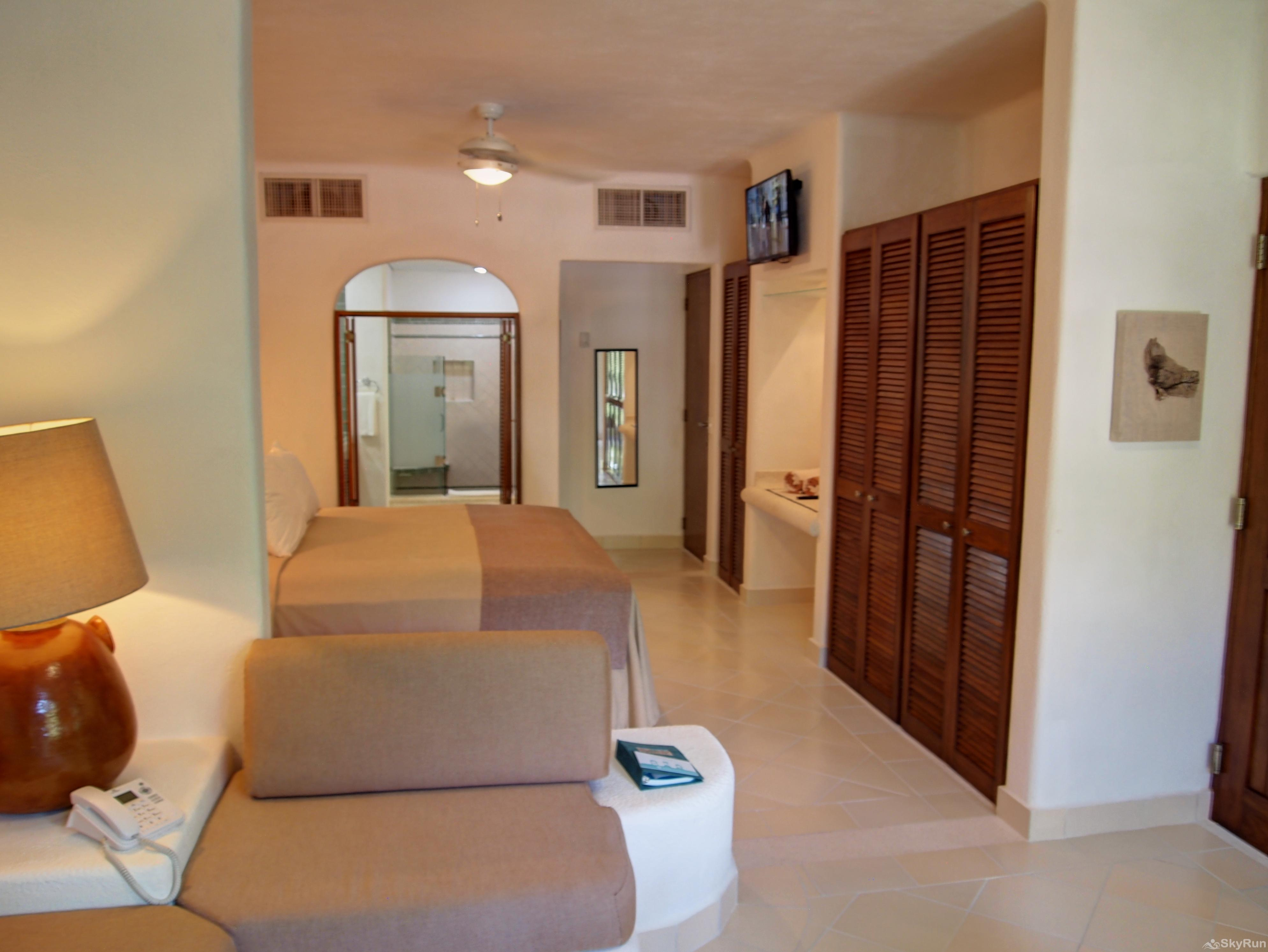 Las Villas Akumal 108  2 Bedroom Beachfront Second Floor double bed room