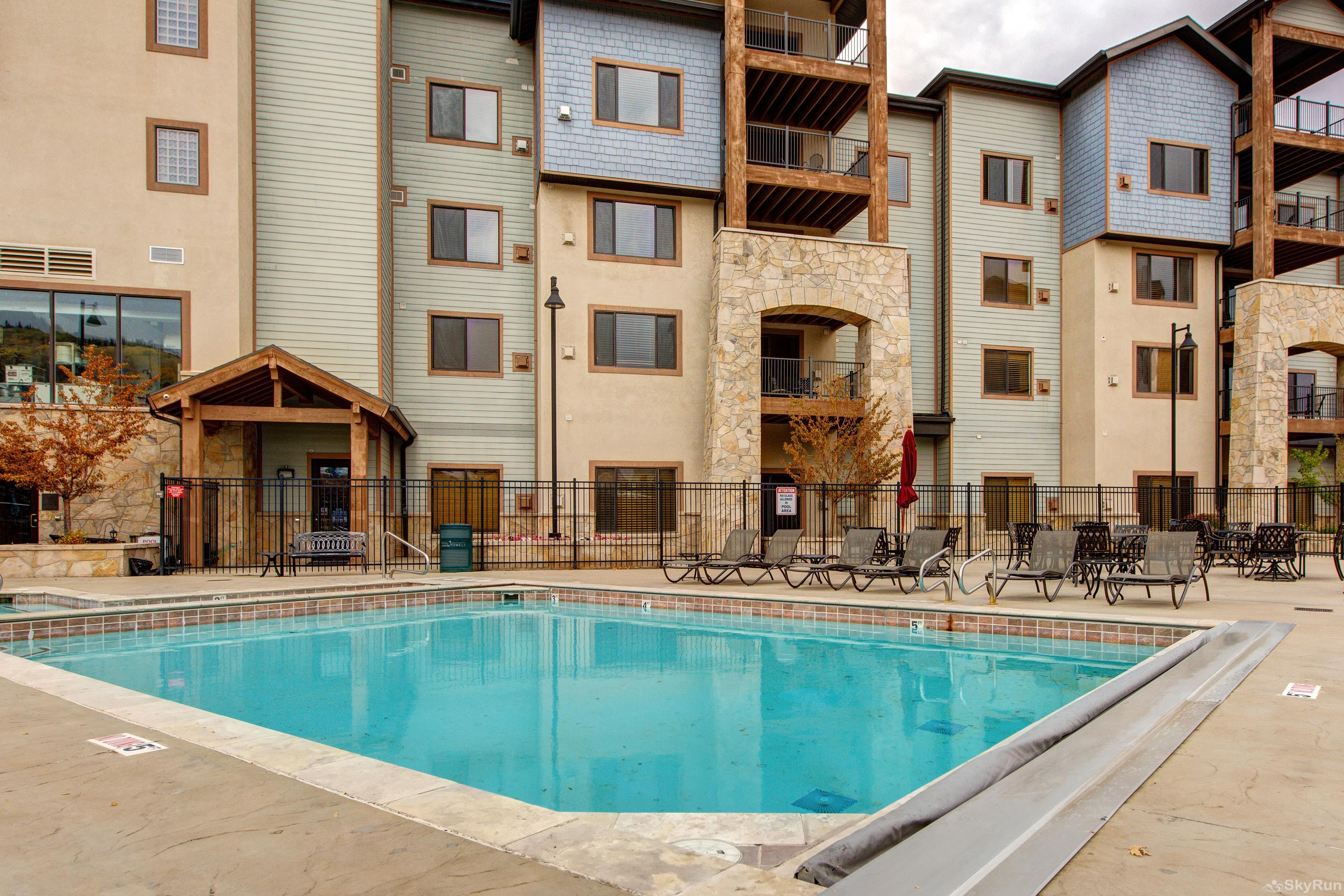 Silverado Lodge 226 Heated Year Round Pool and Hottub
