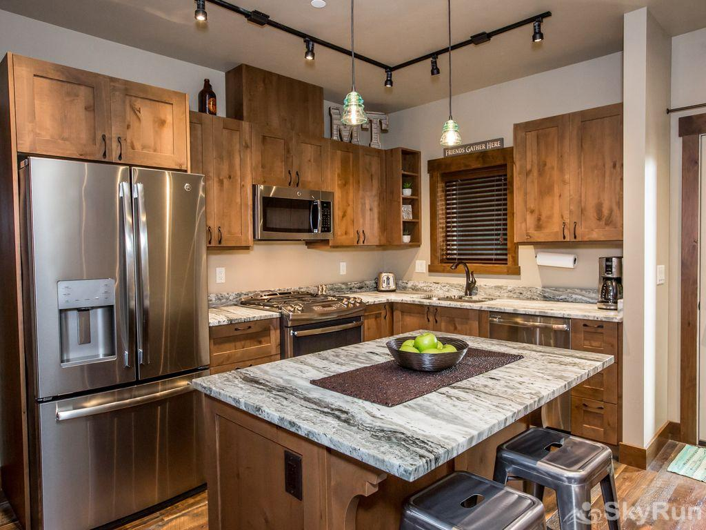 Silver Wolf Penthouse Large refrigerator and full kitchen