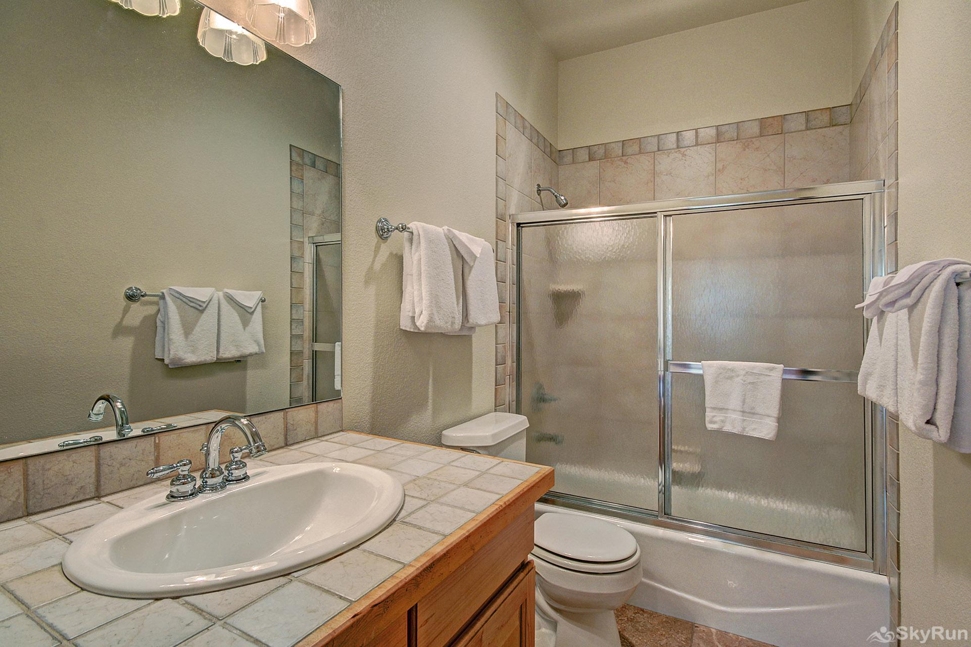 Secret Trail Lodge Additional full bath with shower/tub combo