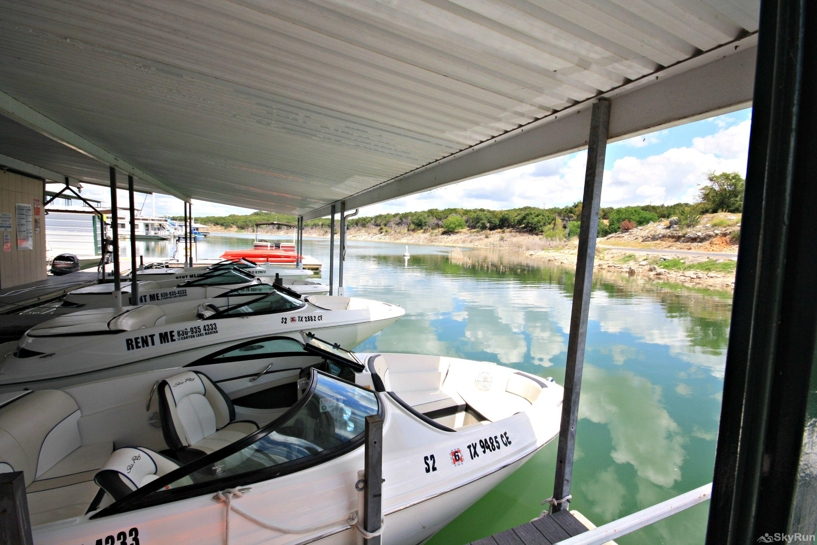 WATER'S EDGE RETREAT Rent a boat from the nearby marina