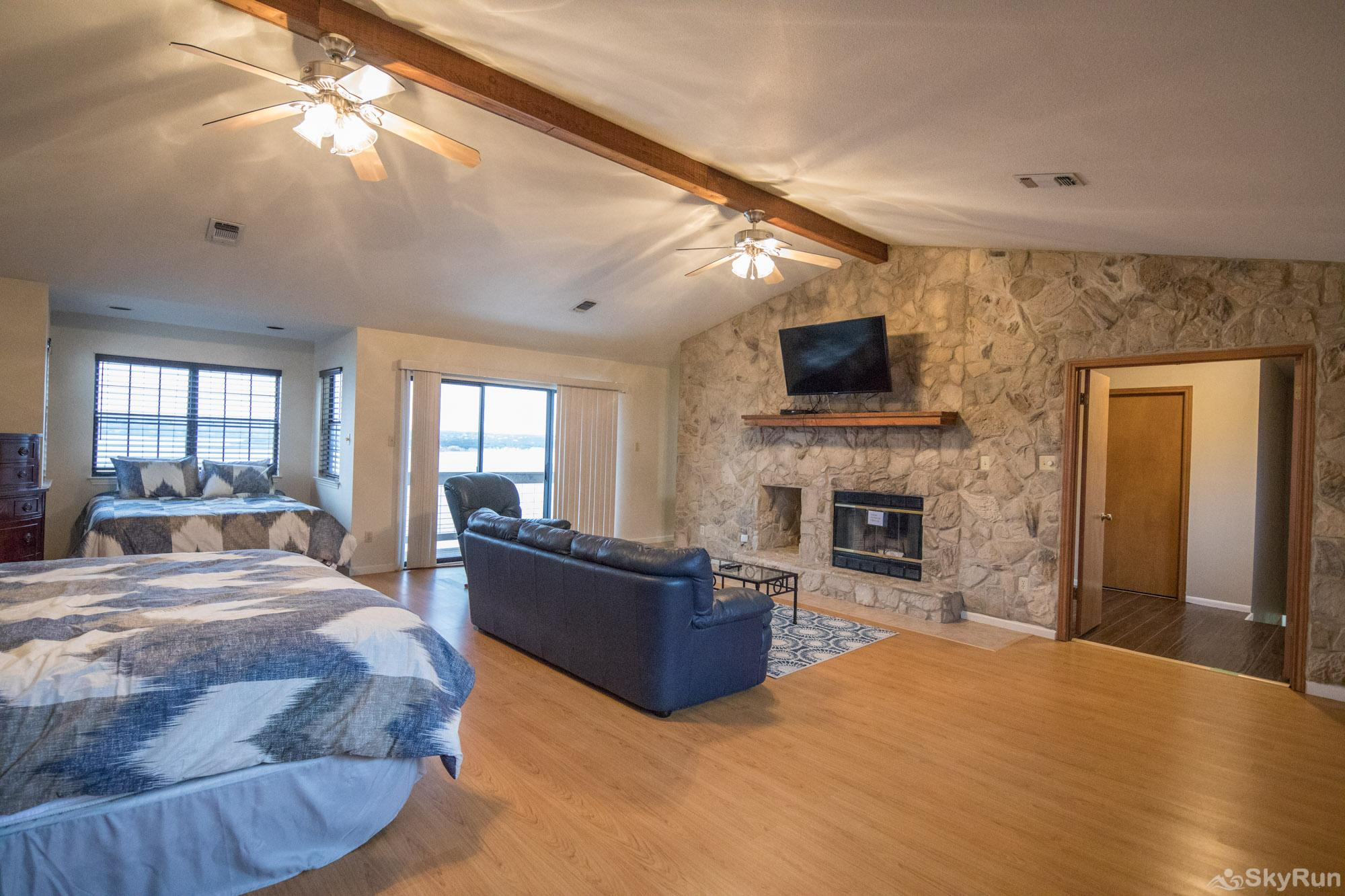 WATER'S EDGE RETREAT Master bedroom, cont.