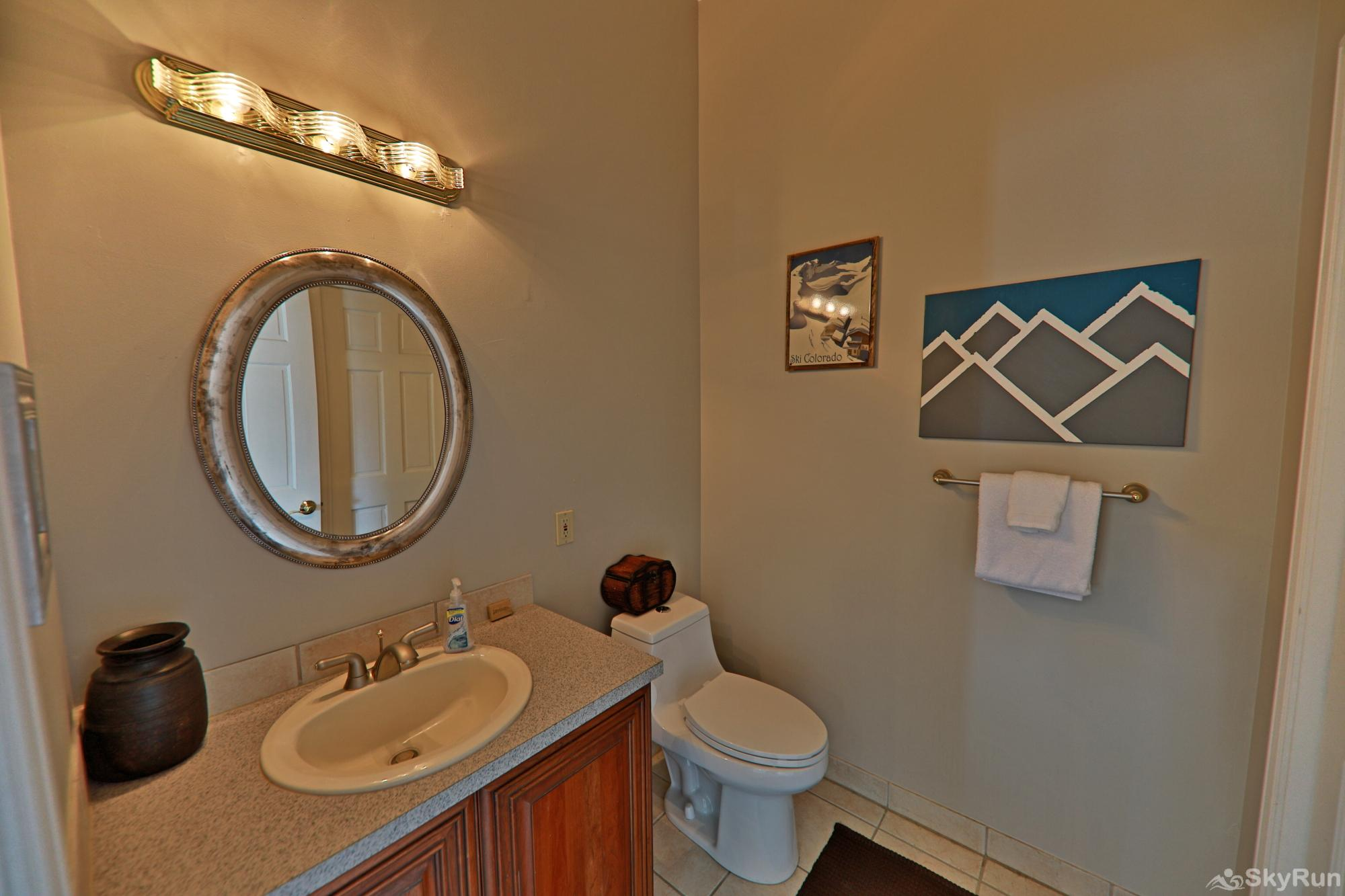 461 Balsh Half Bath Upstairs