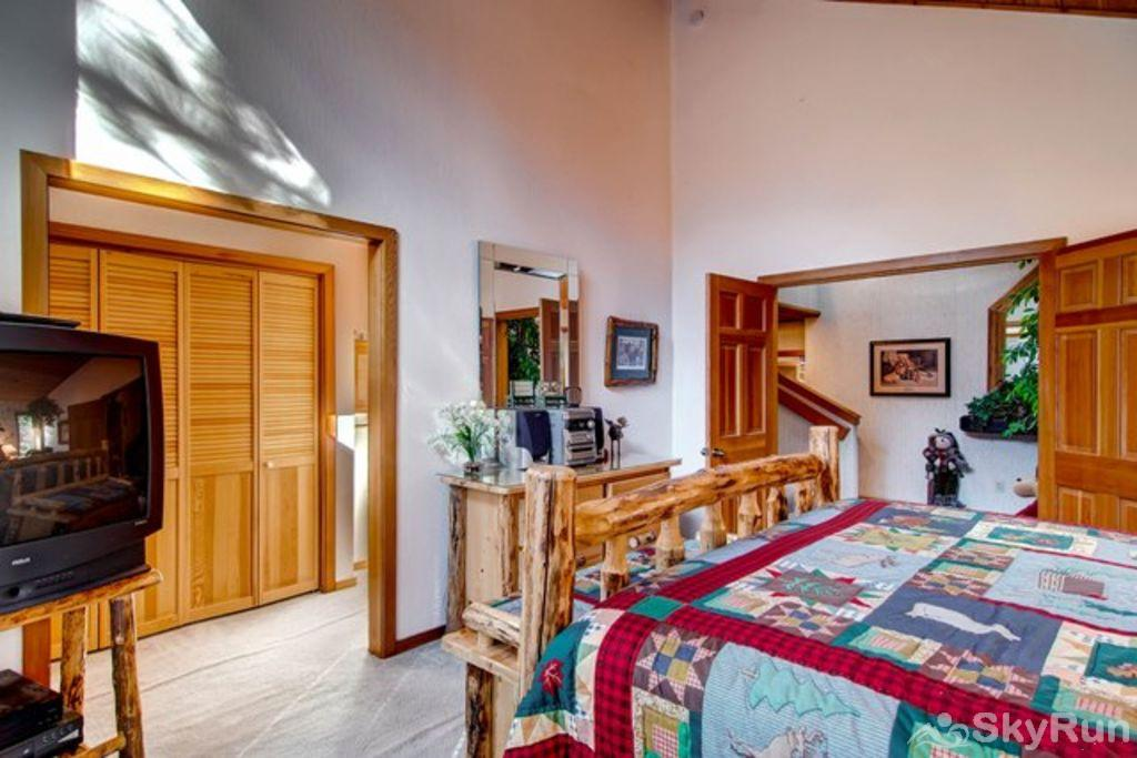 Bear Lodge at Northstar Master Ensuite 1 (main level)