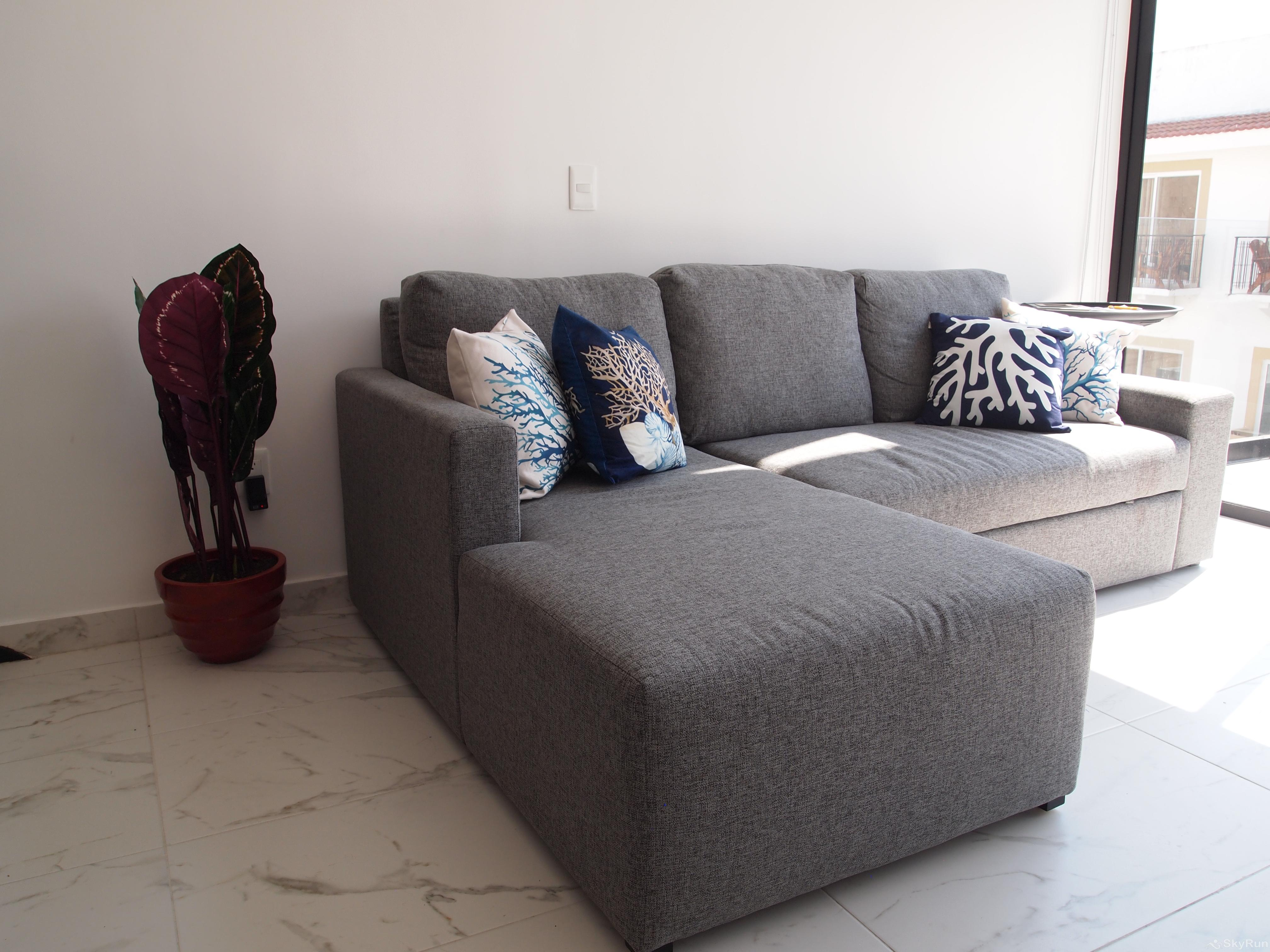 Best Condo in Playa del Carmen Close to 5th Avenida Outdoor Pool, Private Parking Living Room