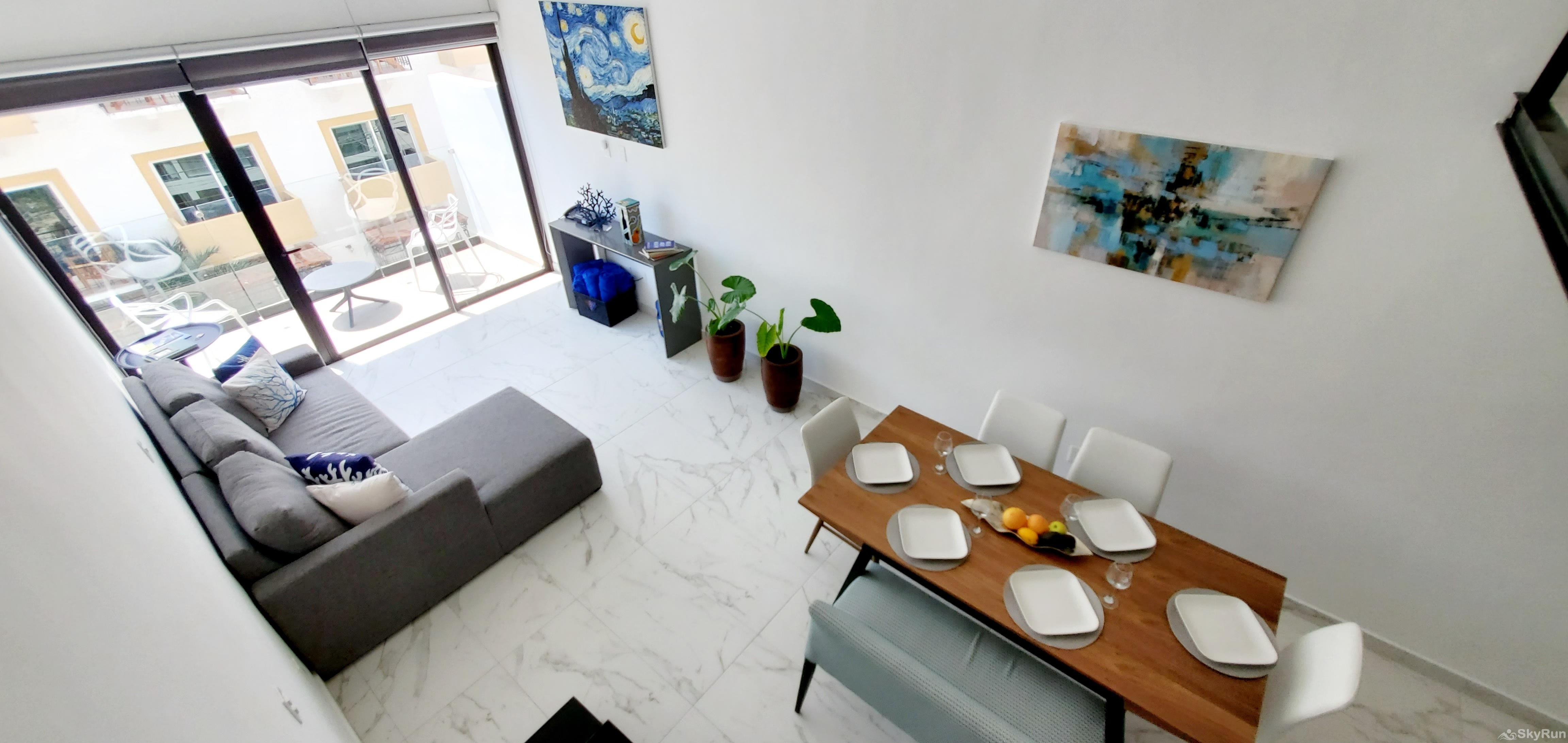 Best Condo in Playa del Carmen Close to 5th Avenida Outdoor Pool, Private Parking Living and dinning room Moon Loft