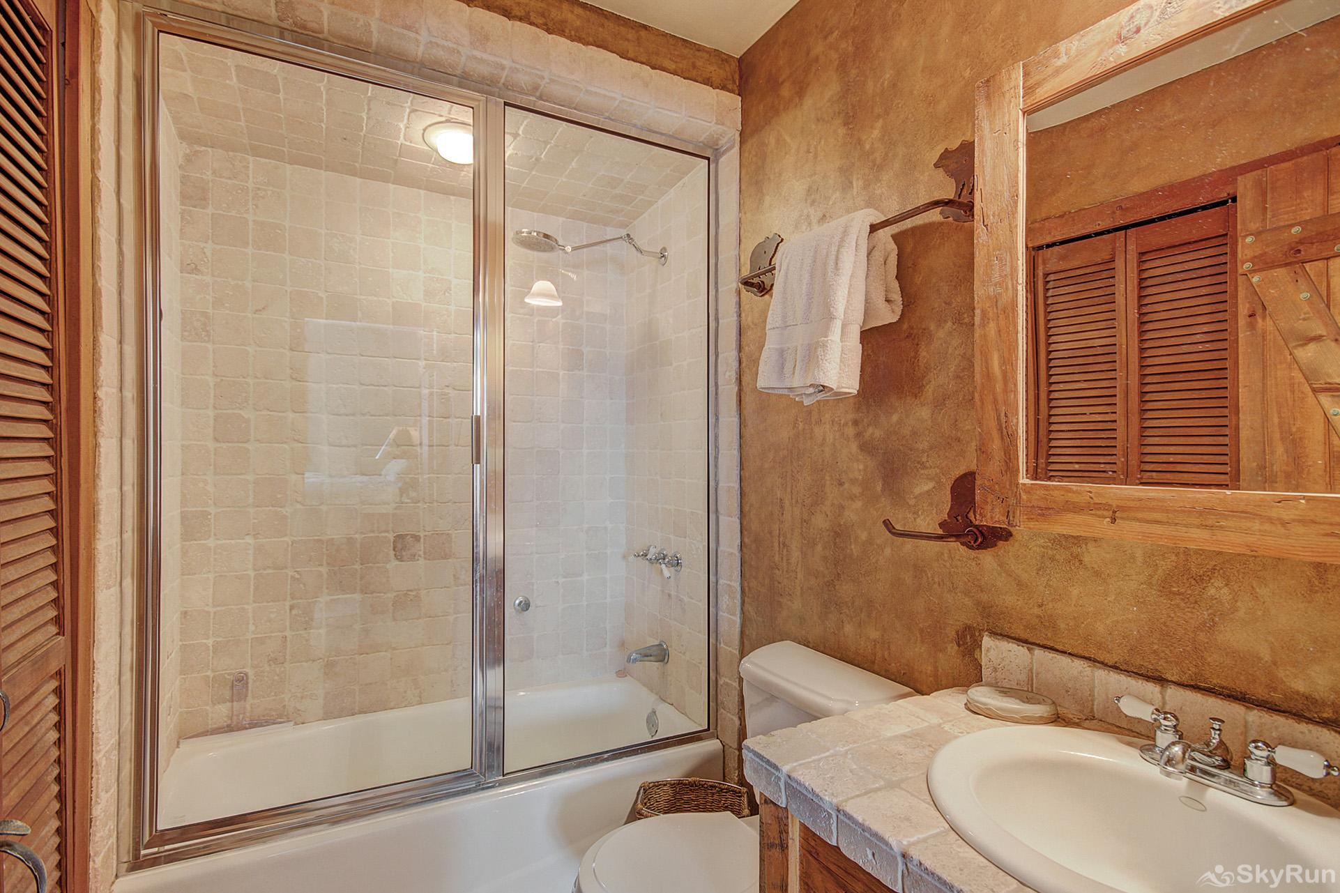 Whispering Pines Main level shared full bathroom