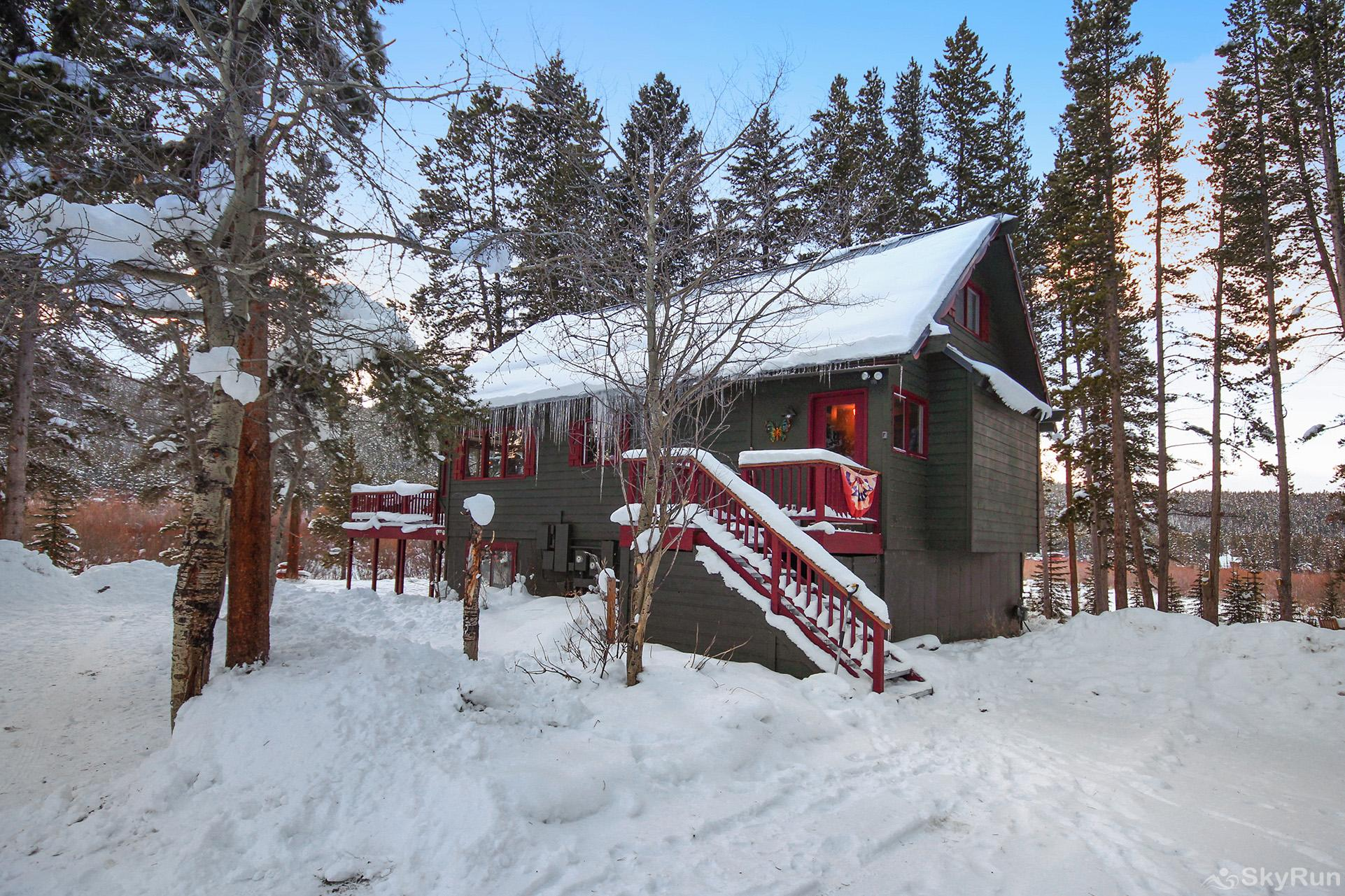 Whispering Pines Colorado cabin nestled away in the woods