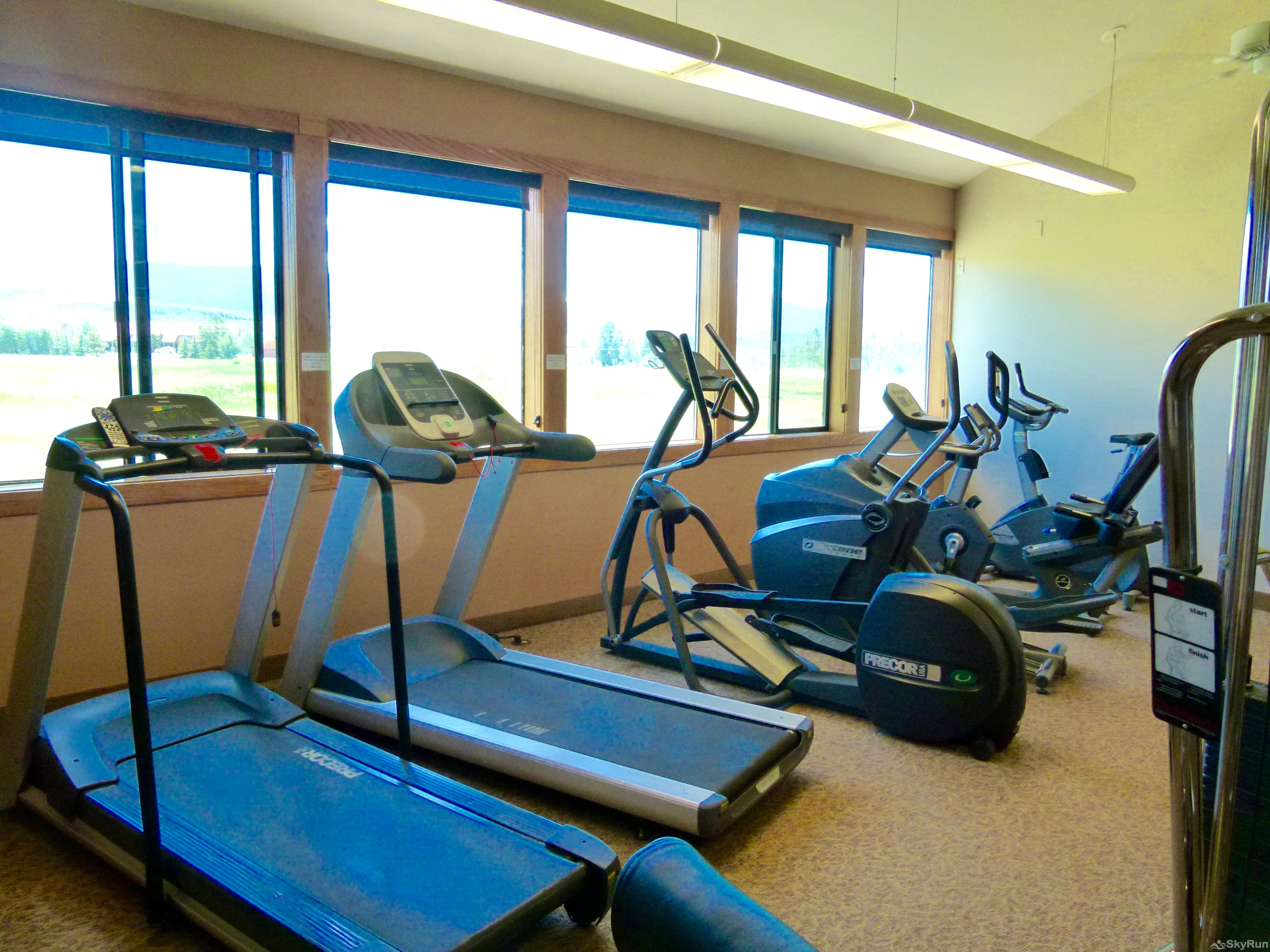 Meadow Ridge Court 4 Unit 5 Workout facility and Basketball Court
