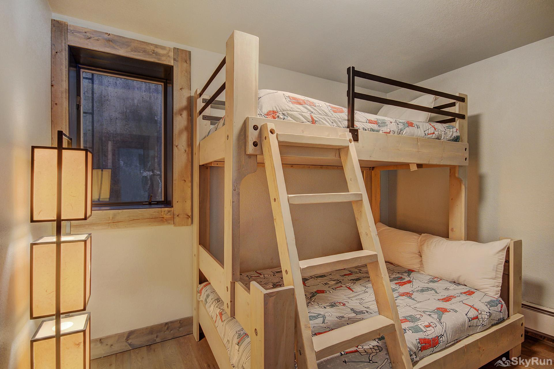 Eagle Ridge Escape Bedroom #2 with twin over queen bunk bed