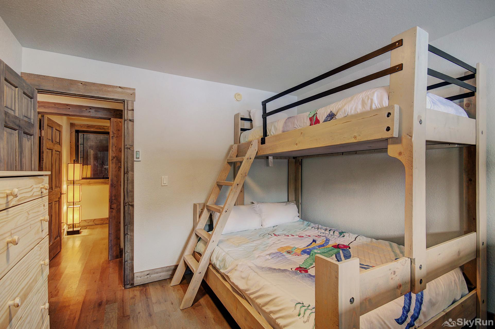 Eagle Ridge Escape Bedroom #3 with twin over queen bunk bed