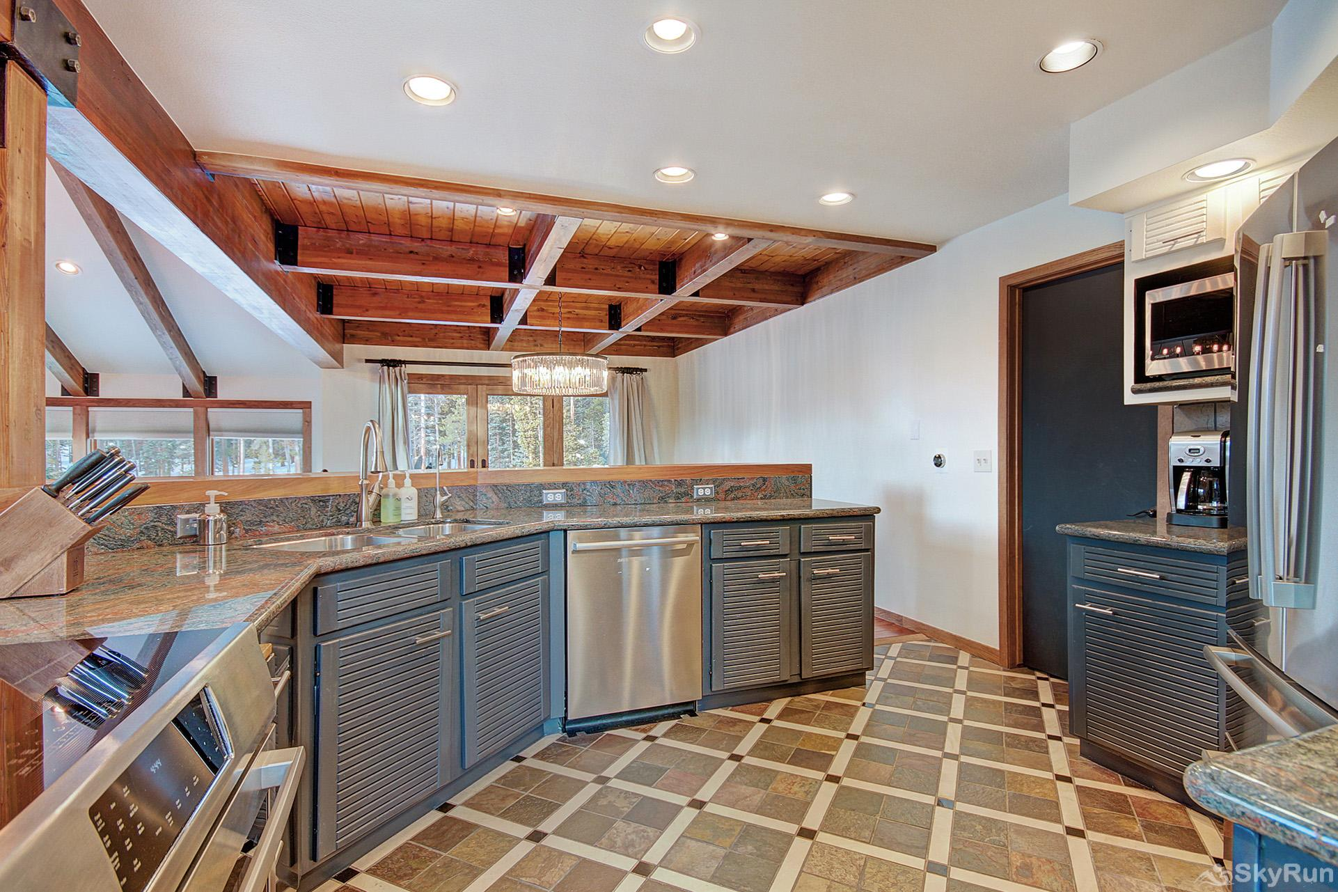 Summit Solitude Estate Fully equipped kitchen with stainless steel appliances
