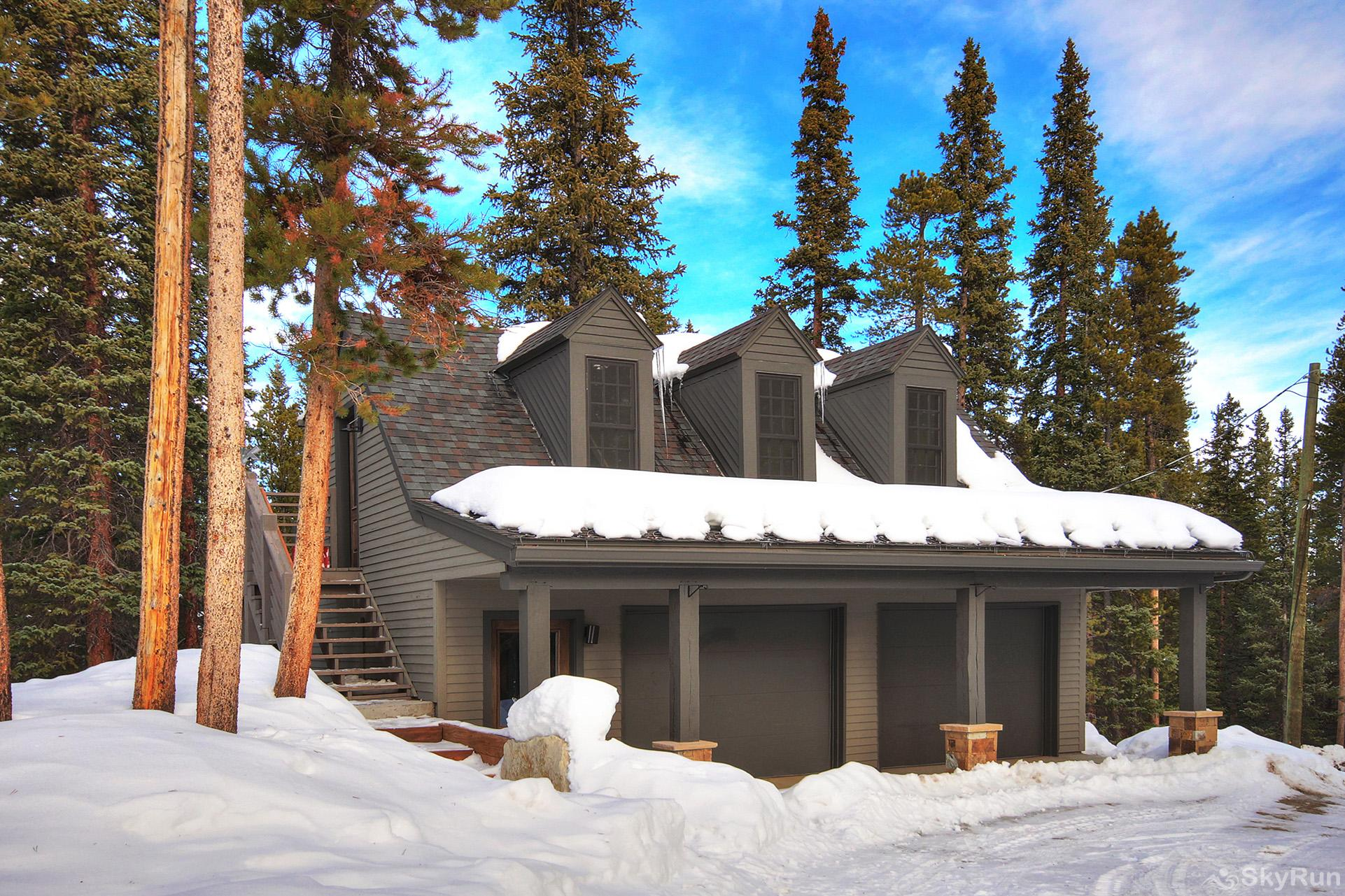 Summit Solitude Estate 2 bedroom carriage house with game room