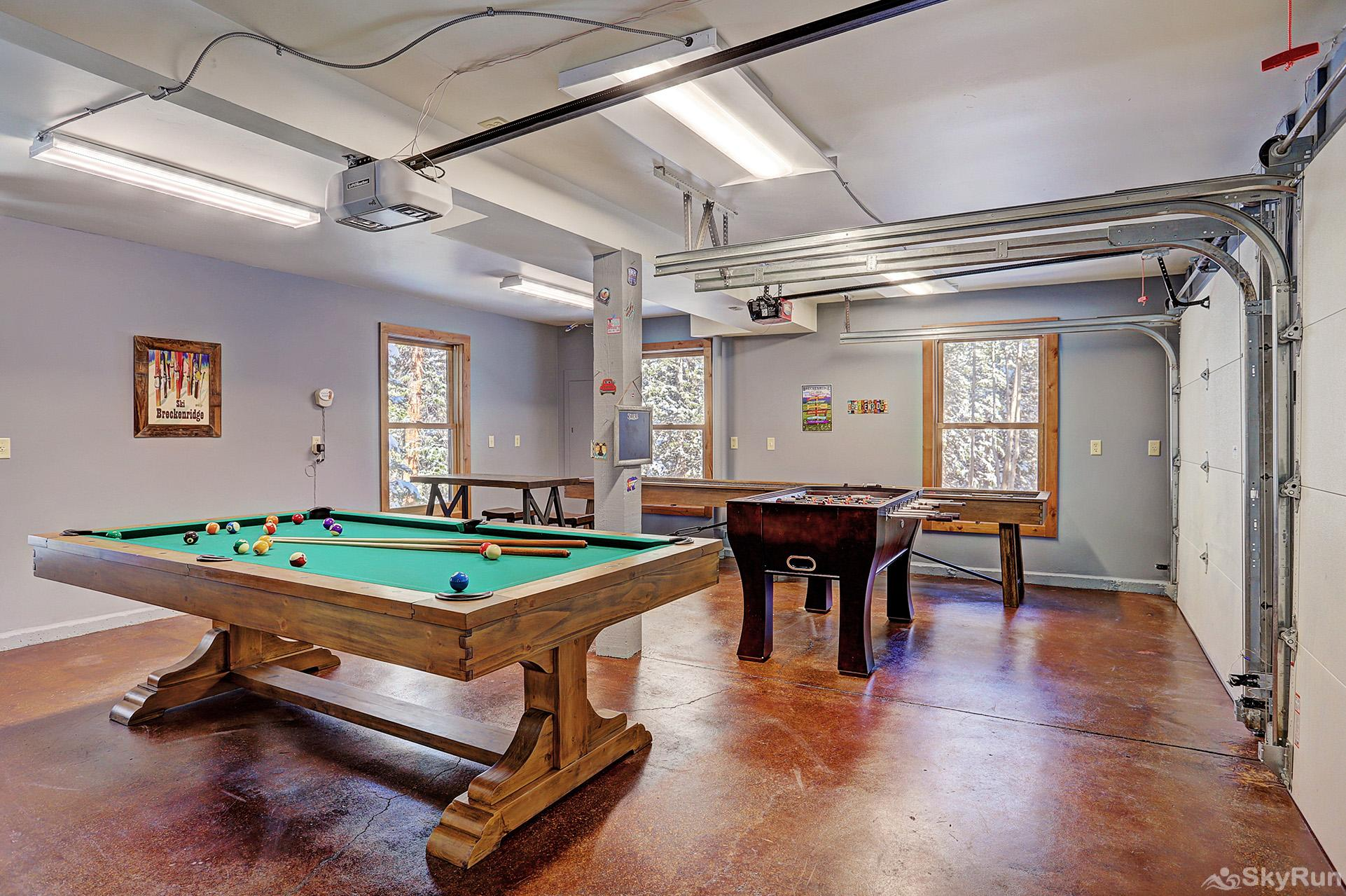 Summit Solitude Estate Game room with pool, foosball, shuffleboard & more!