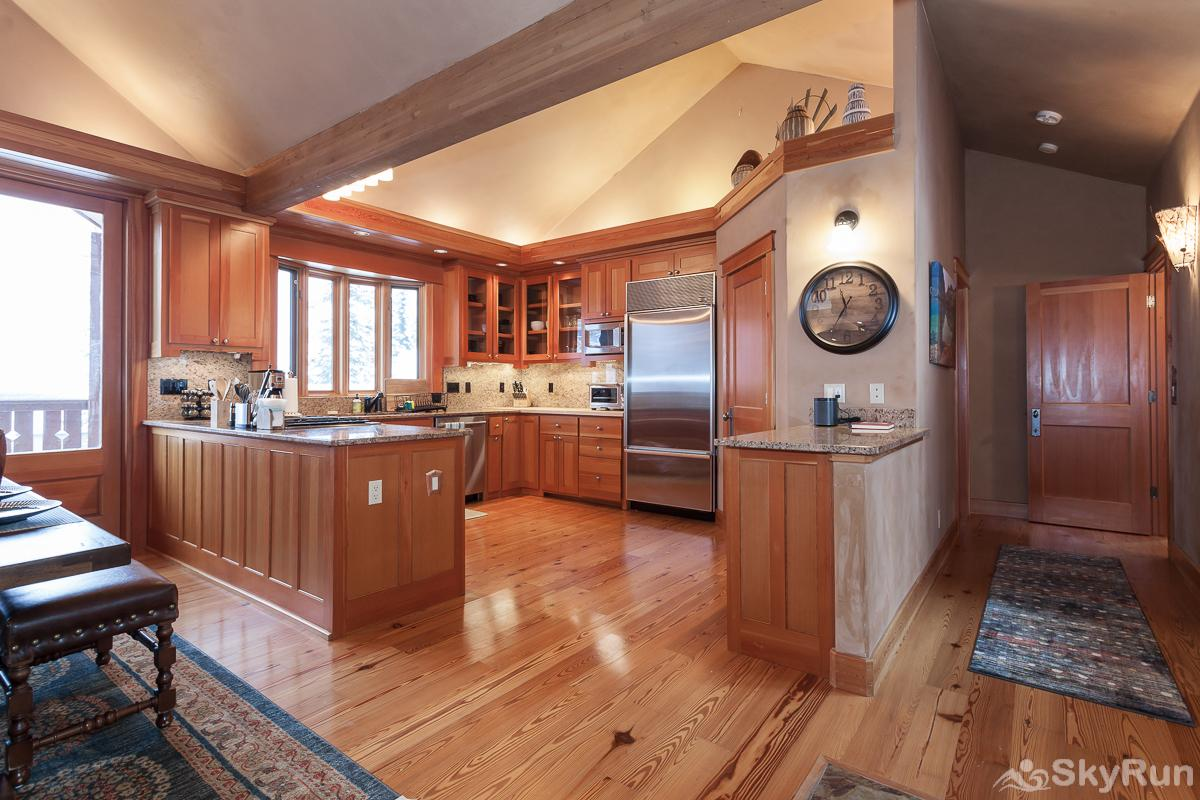 Highland Huckleberry Lodge Modern kitchen with everything you need to cook a memorable meal