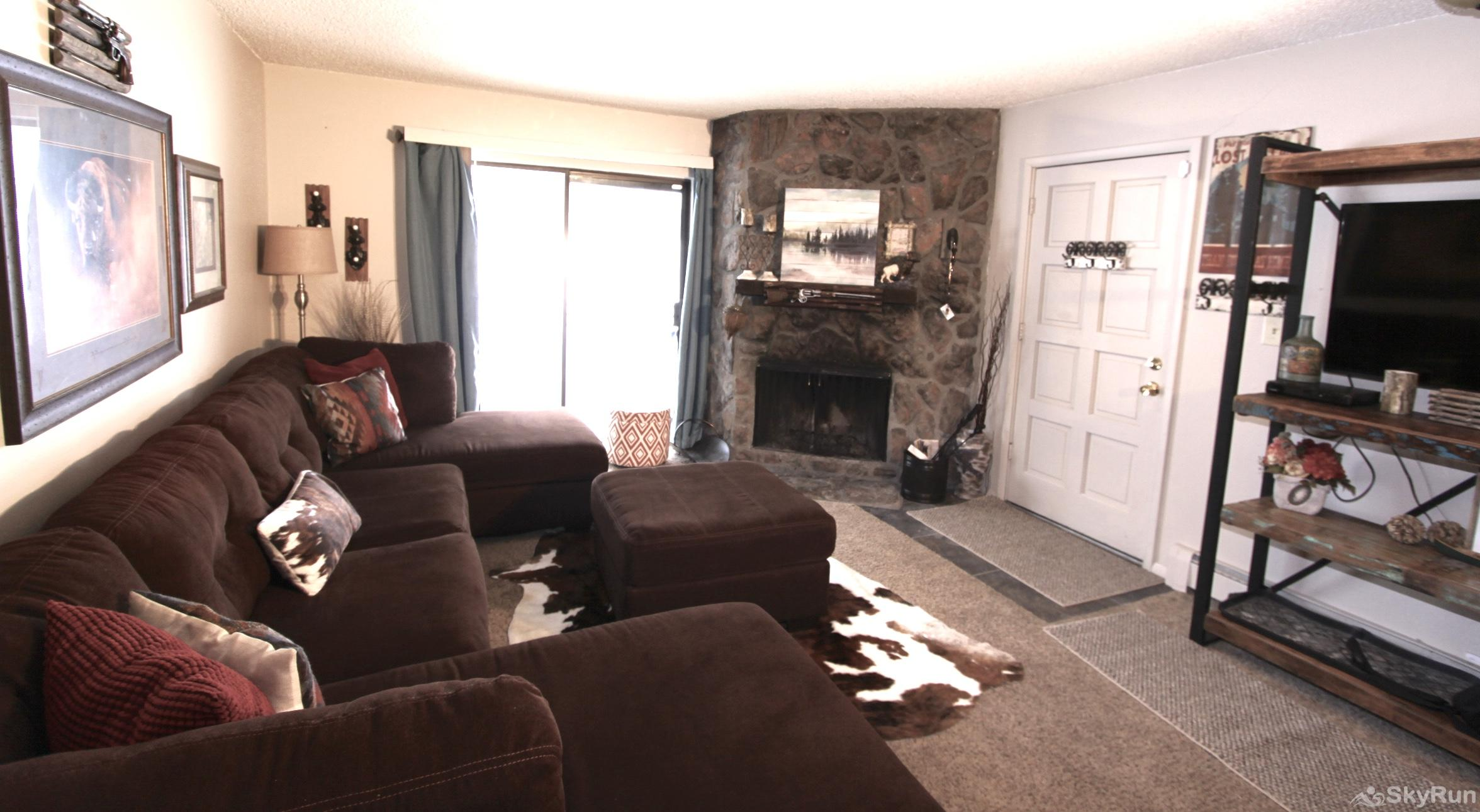Meadow Ridge Court 7 Unit 6 Living Room with pull out full bed