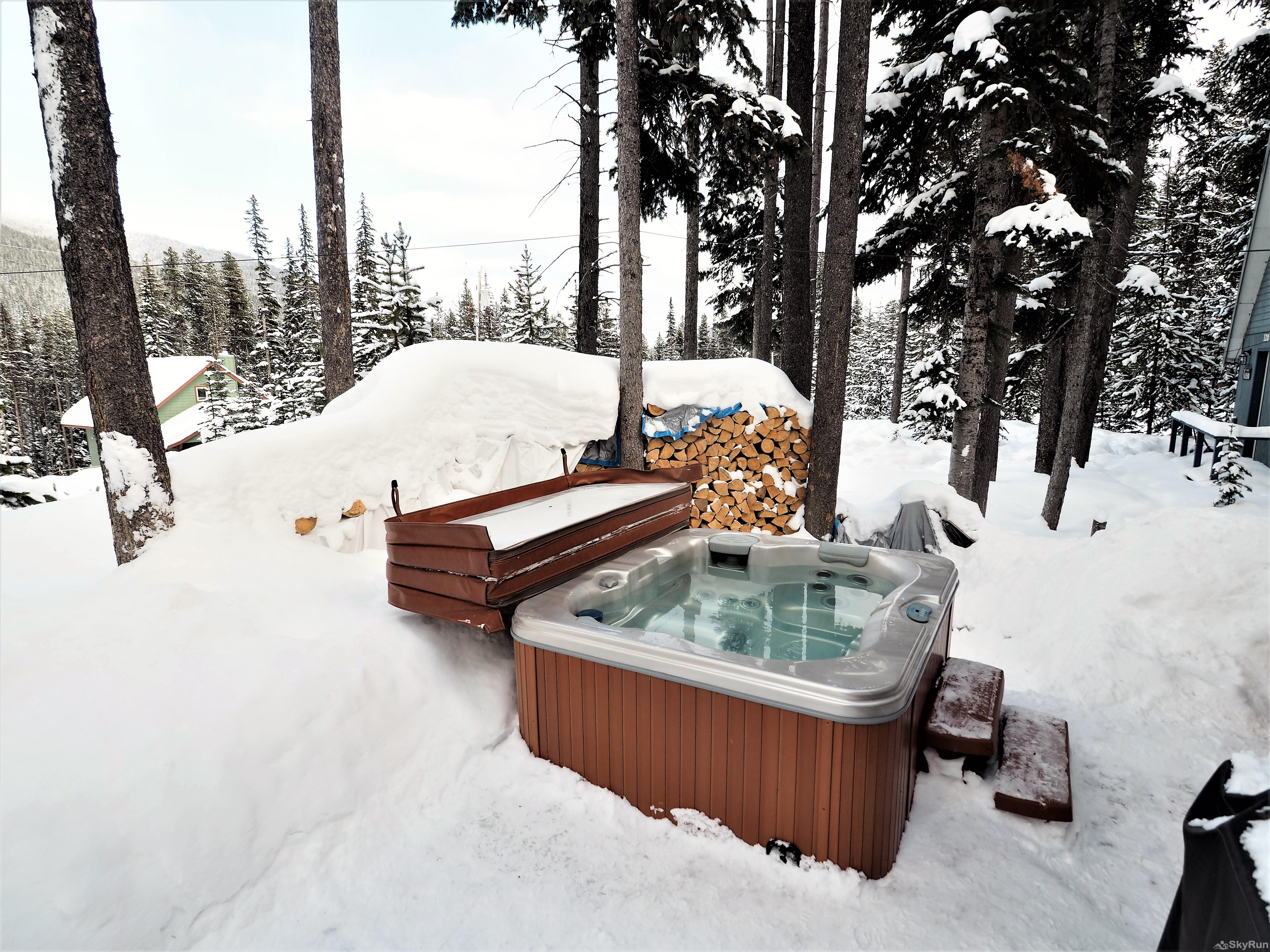 Mountain Air Retreat Private hot tub with mountain views