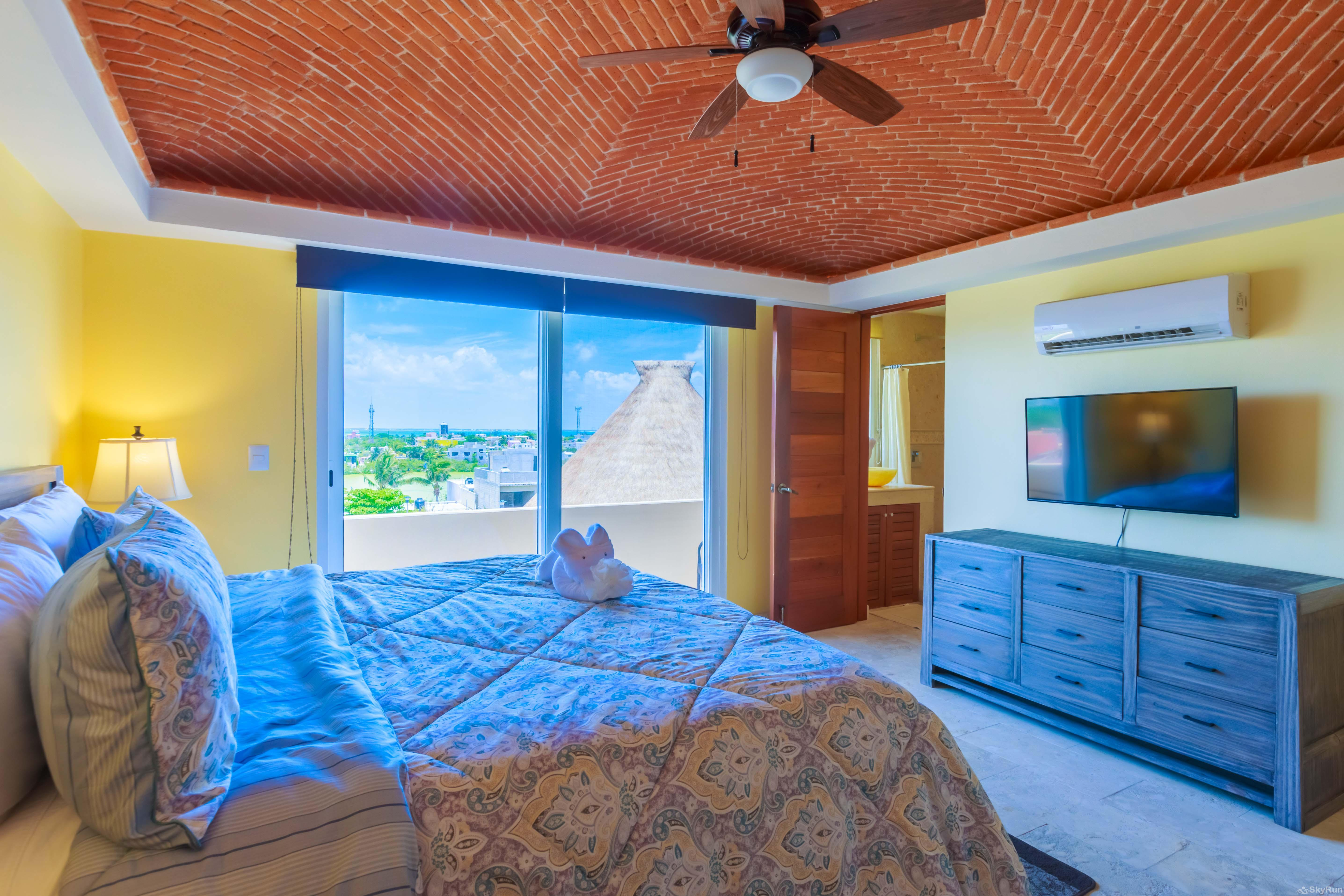 New Luxury Villa Isla 33 Second King Bedroom faced to the Salina, the perfect place to enjoy the colourful sunsets.