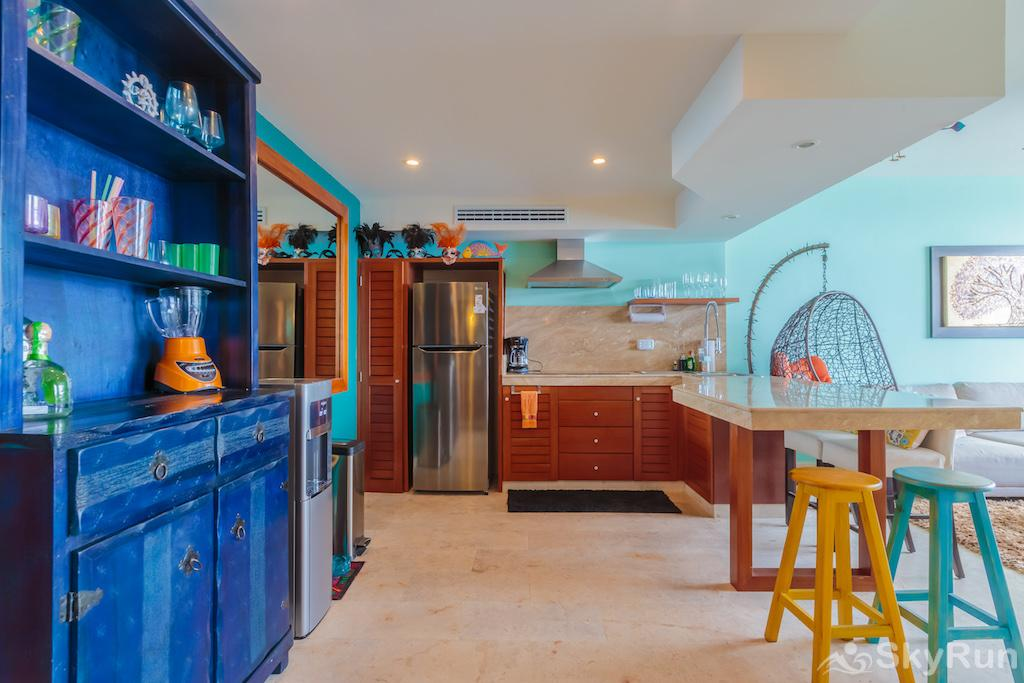 NEW Romantic getaway condo 1 bedroom Isla Mujeres Kitchen