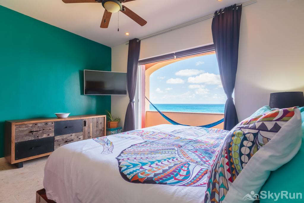 NEW Romantic getaway condo 1 bedroom Isla Mujeres King bedroom with ocean views