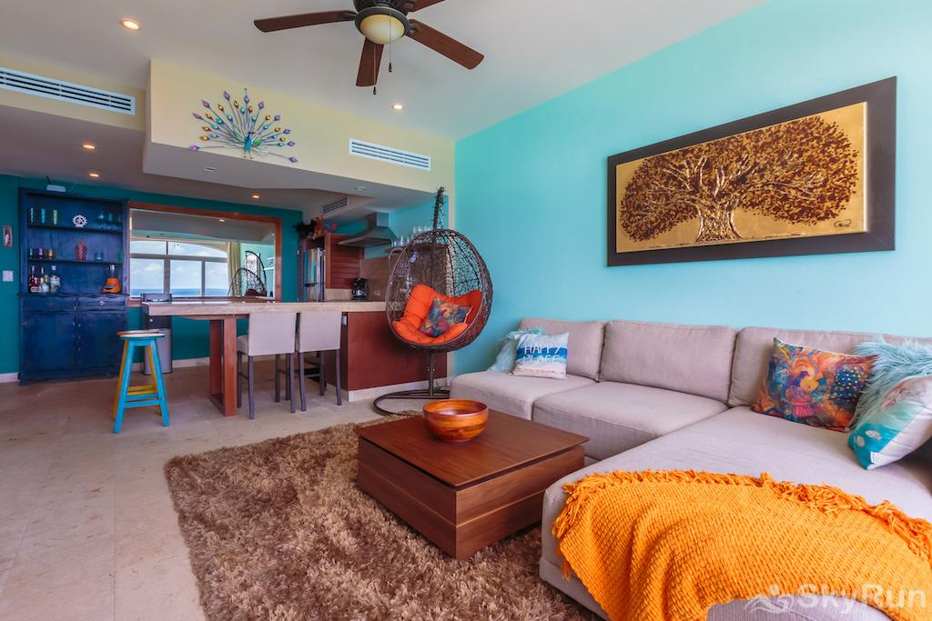 NEW Romantic getaway condo 1 bedroom Isla Mujeres Living area
