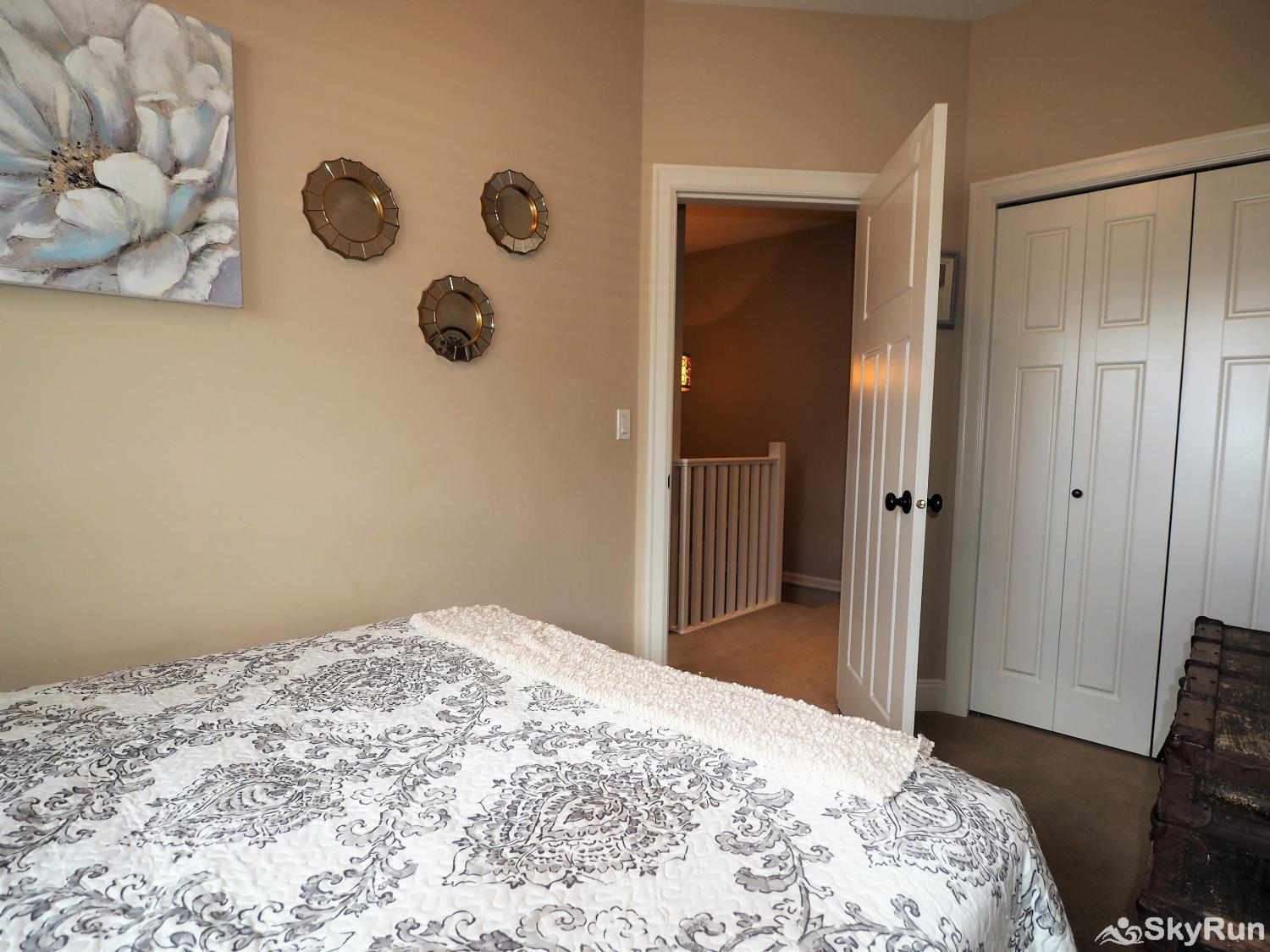 Old Summerland 4 bedroom townhouse Bedroom 2 is on the 2nd floor and has a queen bed