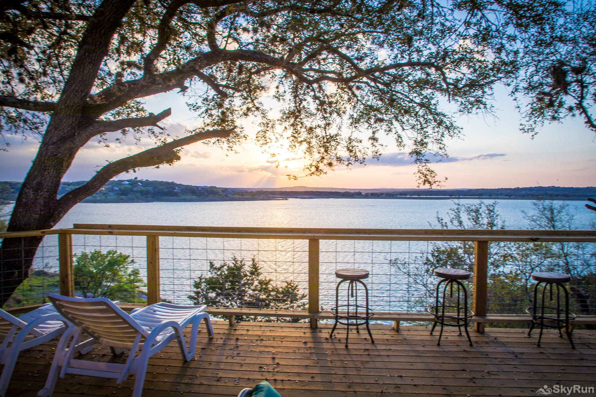 CLIFF HOUSE AT CANYON LAKE Get away in style and build memories that will last