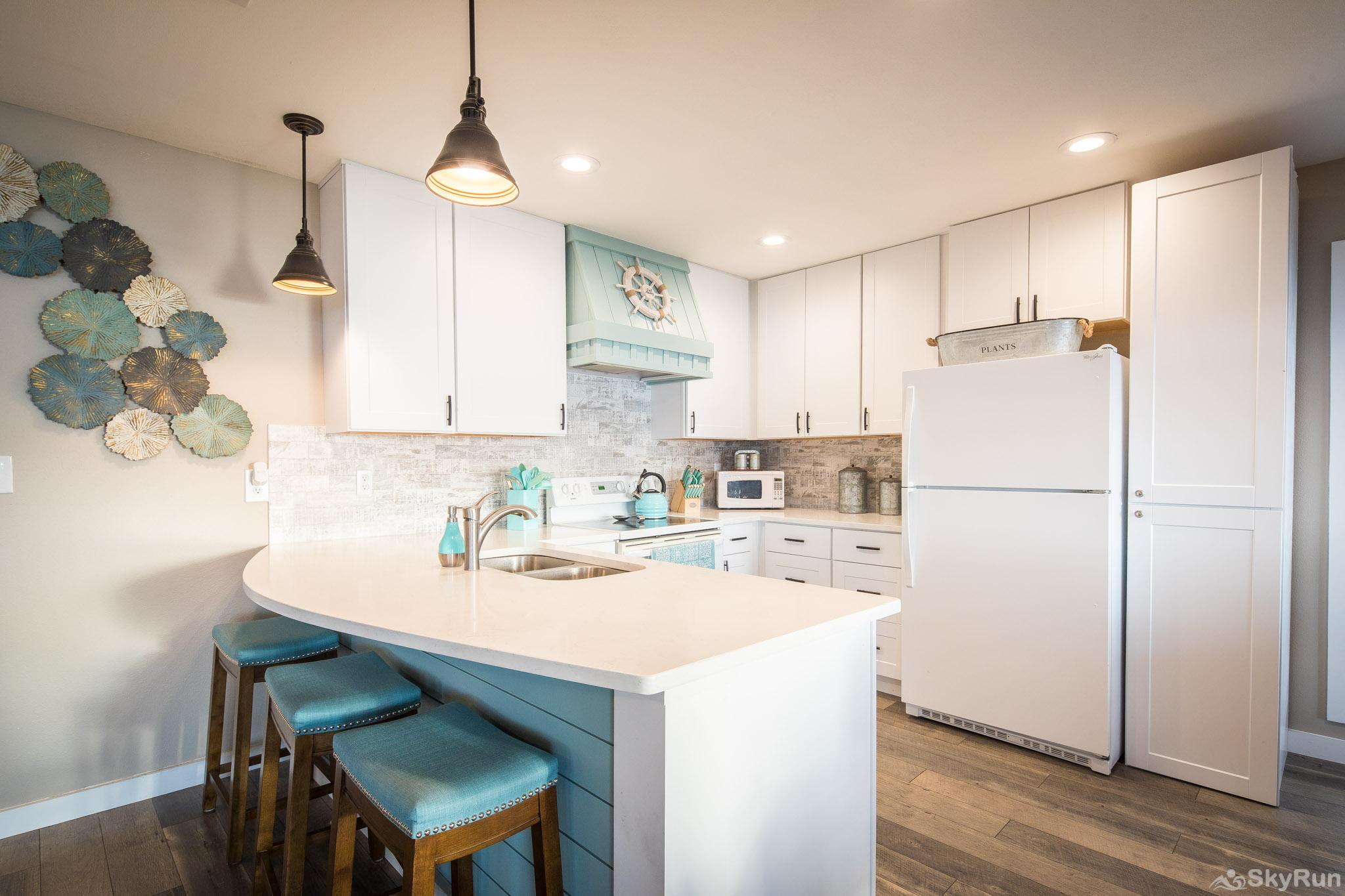 CLIFF HOUSE AT CANYON LAKE Newly remodeled kitchen