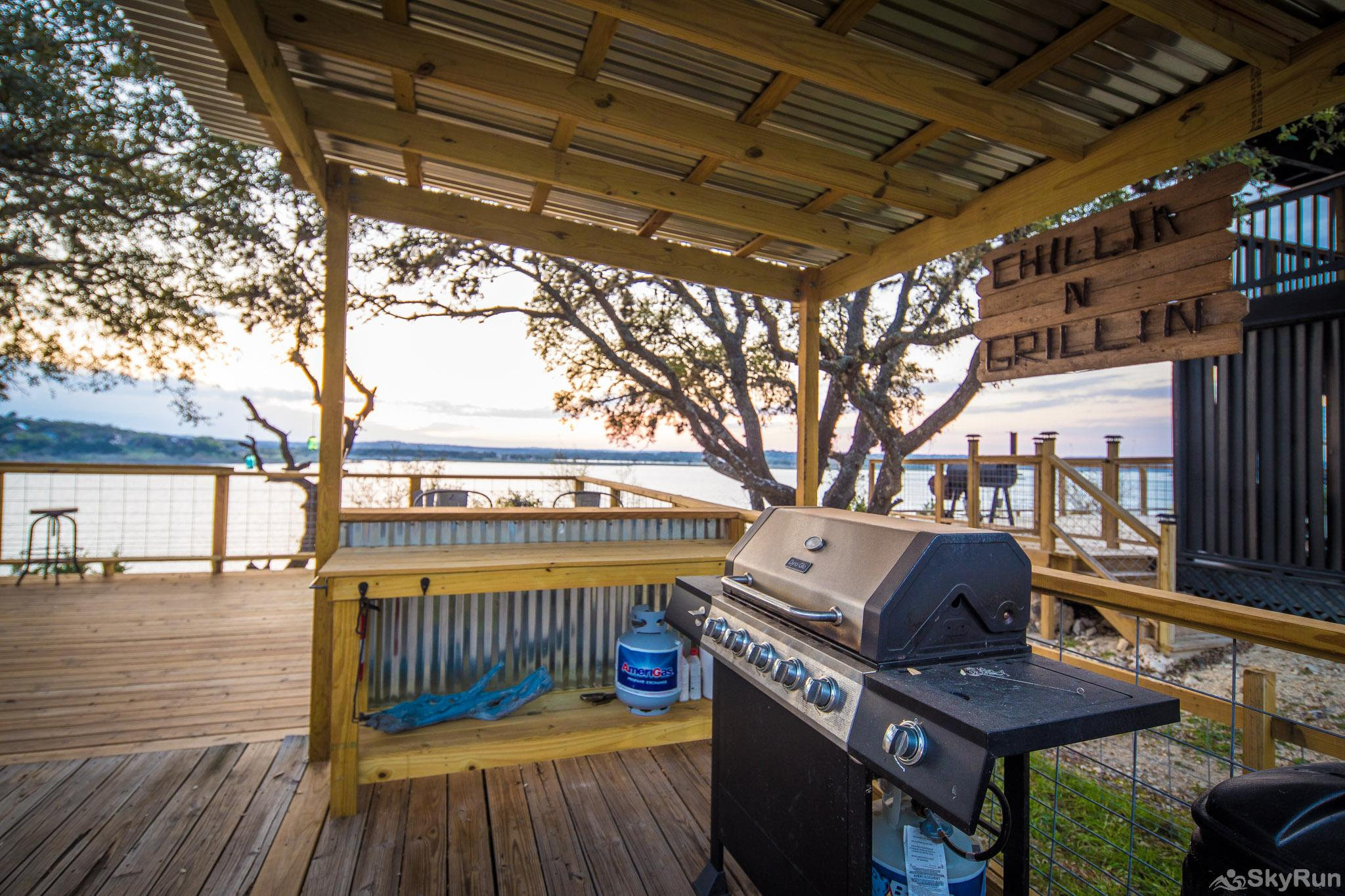 CLIFF HOUSE AT CANYON LAKE Barbecue area with propane provided
