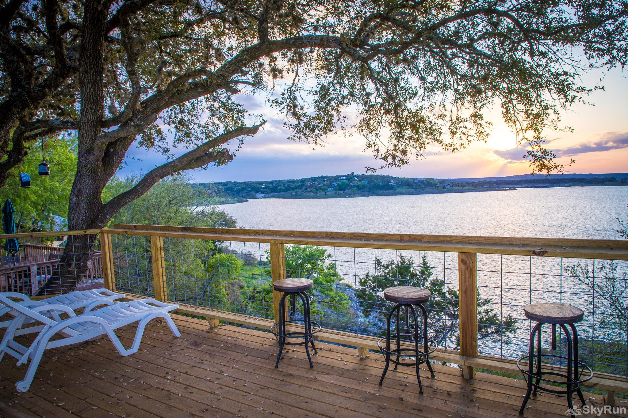 CLIFF HOUSE AT CANYON LAKE Cool lake breezes and stunning sunsets