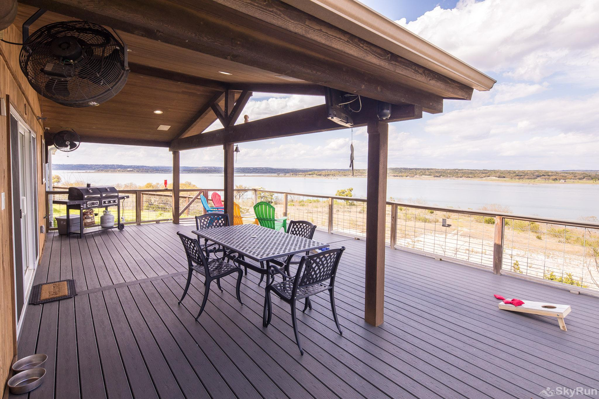 LEDGEROCK POINTE Spacious deck with sweeping 180 degree lake view