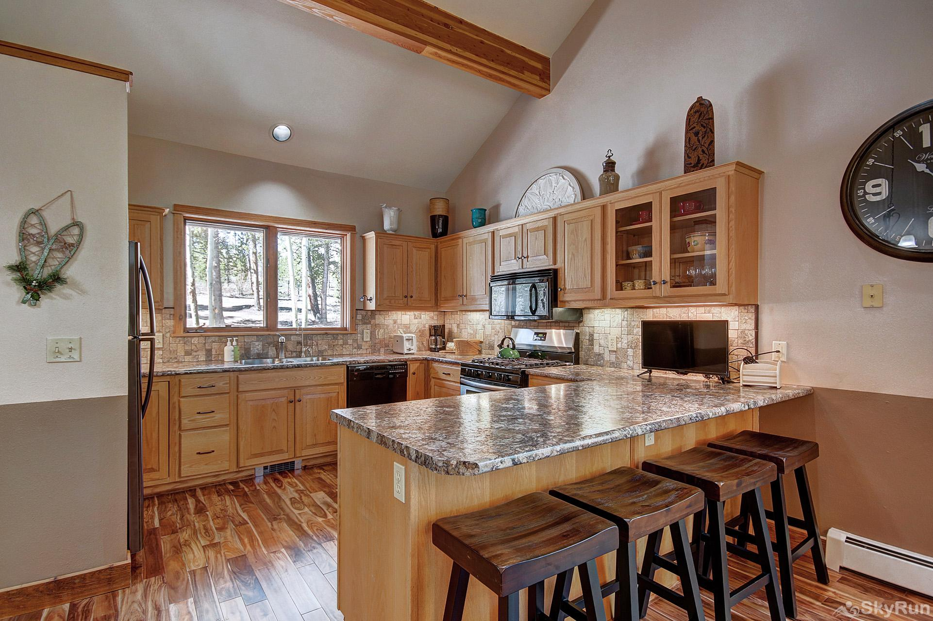 Aspen Heights Lodge Additional view of fully upgraded kitchen with modern appliances