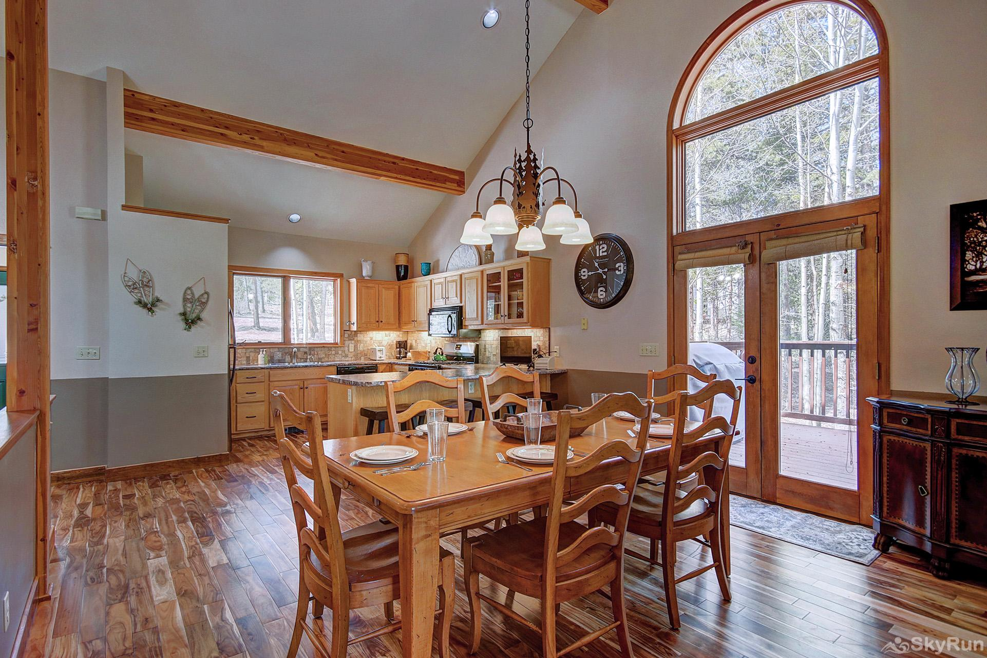 Aspen Heights Lodge Dining table and kitchen area