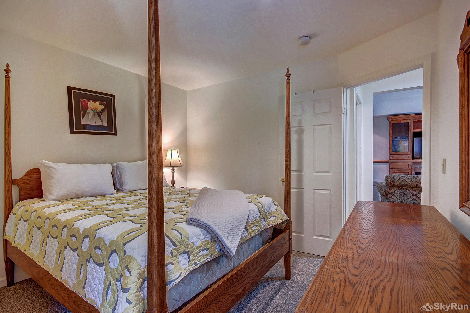 Aspen Heights Lodge Additional view of lower level queen bedroom