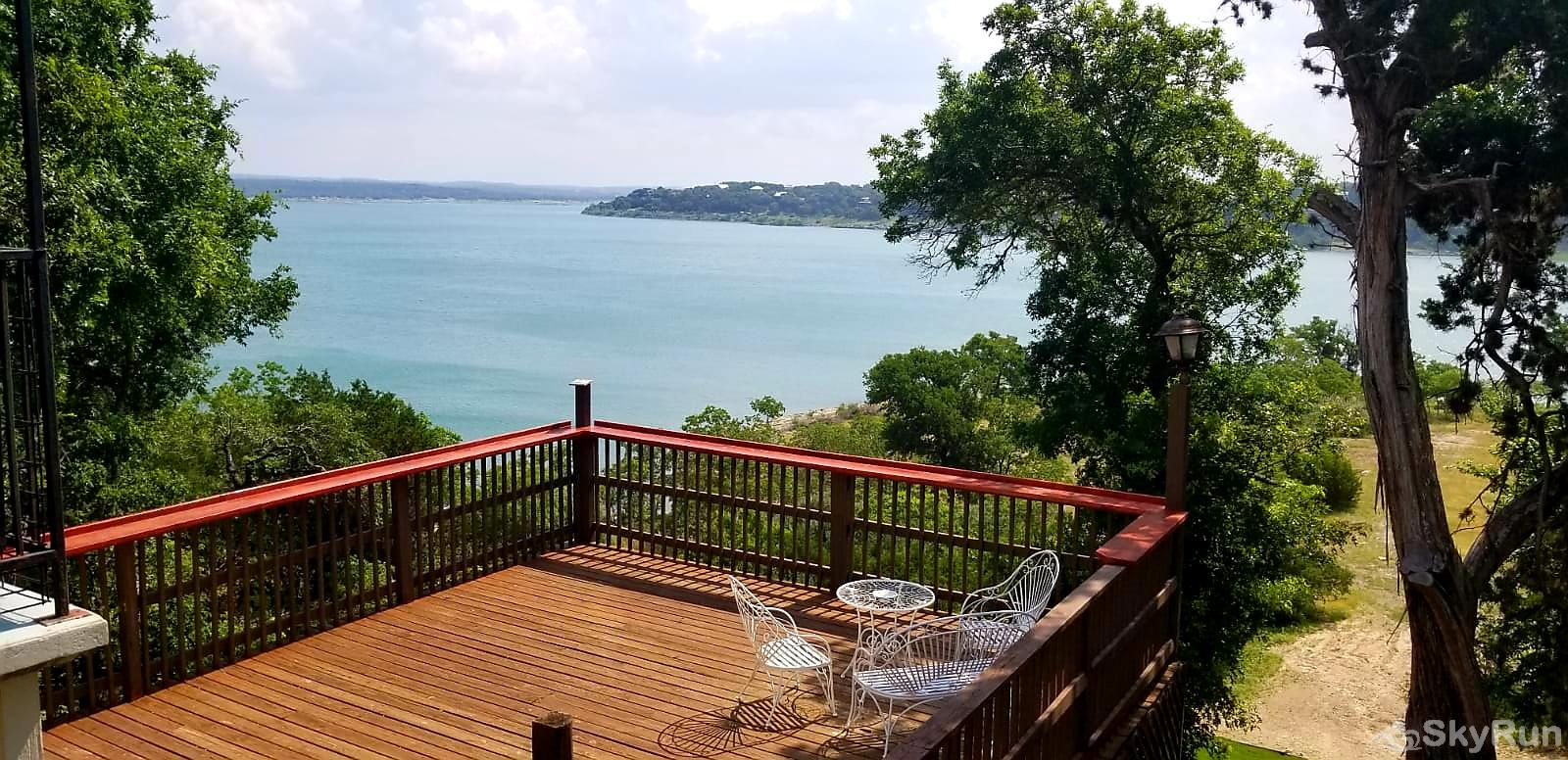 WATERFRONT GRACE Beautiful waterfront Canyon Lake view from the deck