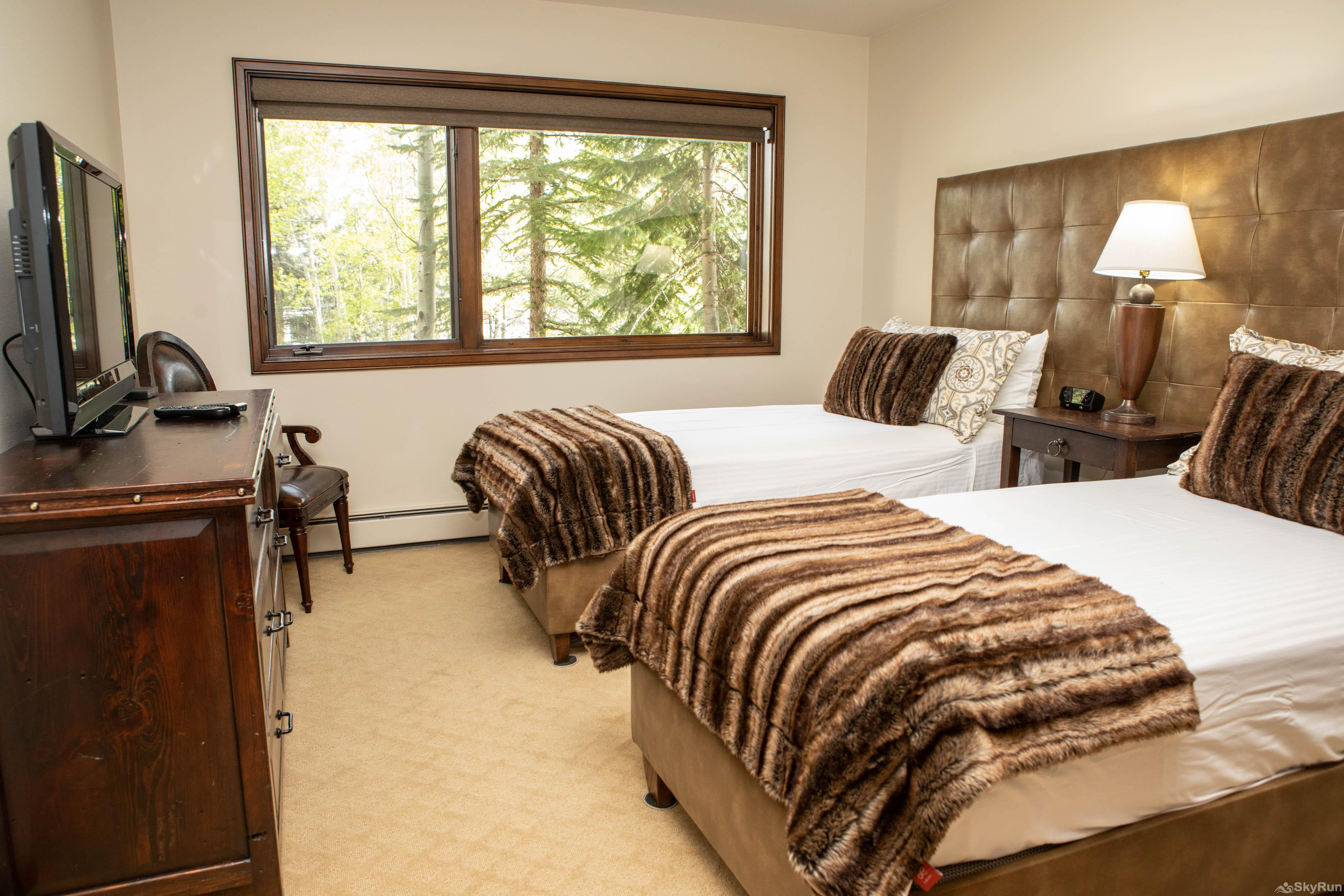 The Pines Lodge TH3 Guest Bedroom 1