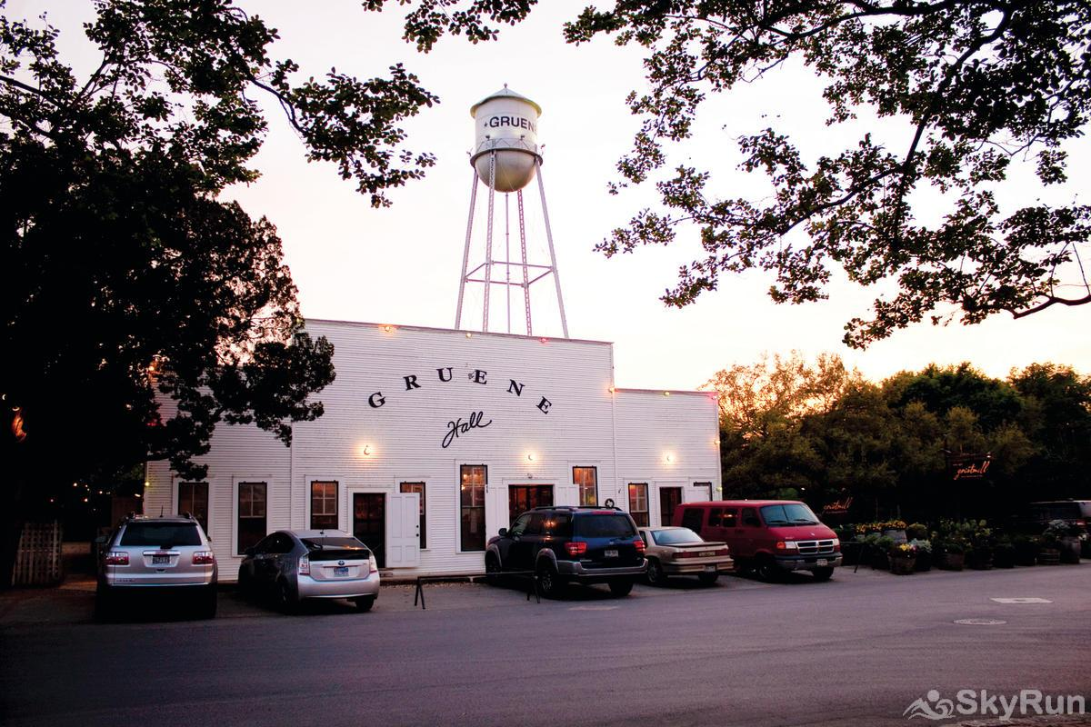 LAKESHORE ESCAPE Gruene Hall in nearby New Braunfels
