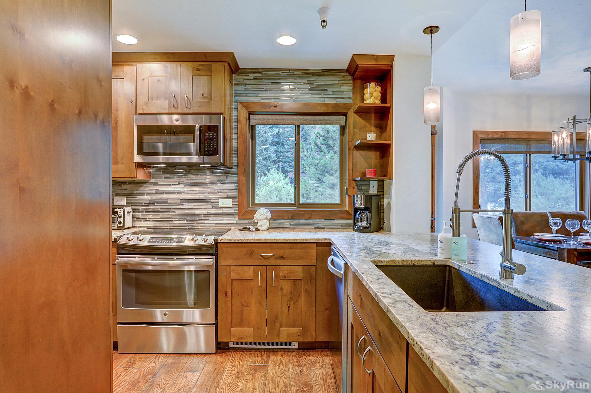 Village at Breck Chateaux 1022 Beautifully upgraded kitchen with granite countertops