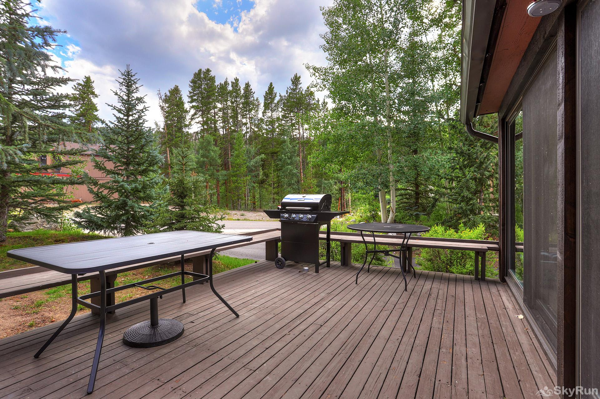 Mill Run 3 Grill out on your private back deck and enjoy the fresh air!