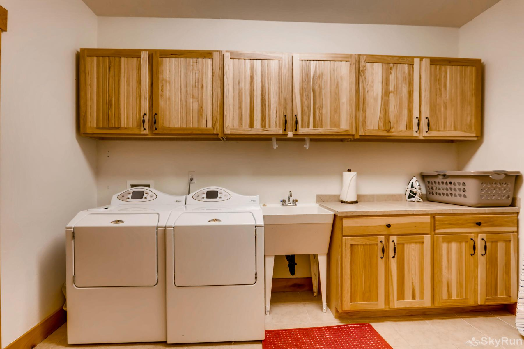 Nangle Woods Retreat Convenient in-home washer and dryer