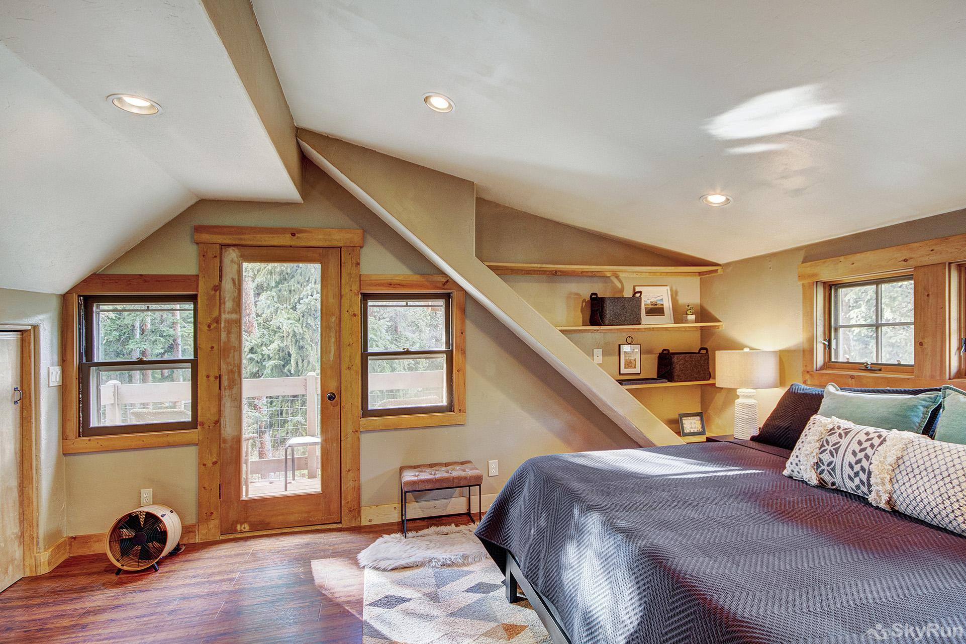 Black Bear Chalet King master bedroom with ensuite bath, private balcony
