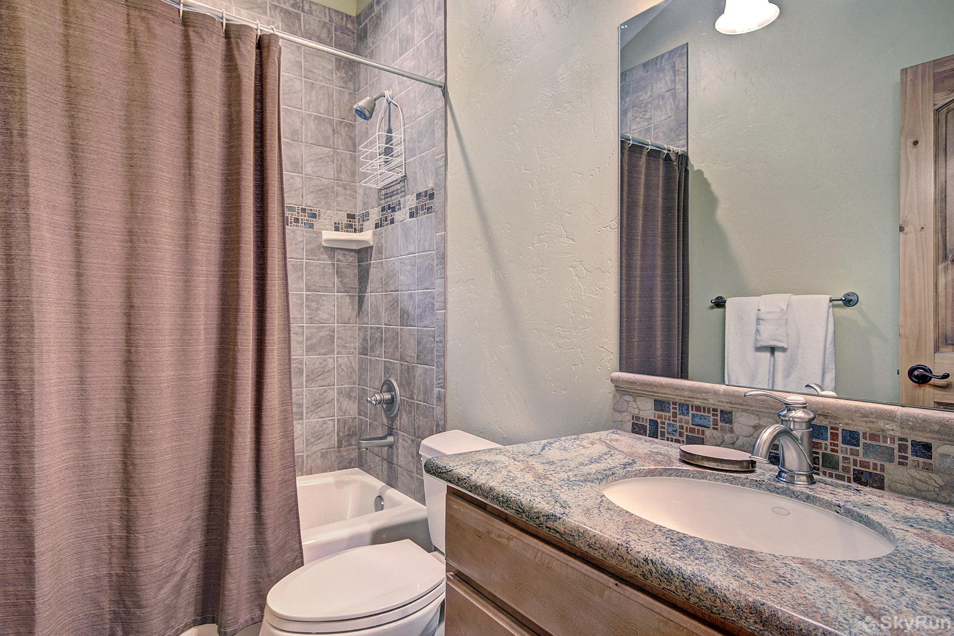 170 Elk Circle Ensuite Bathroom